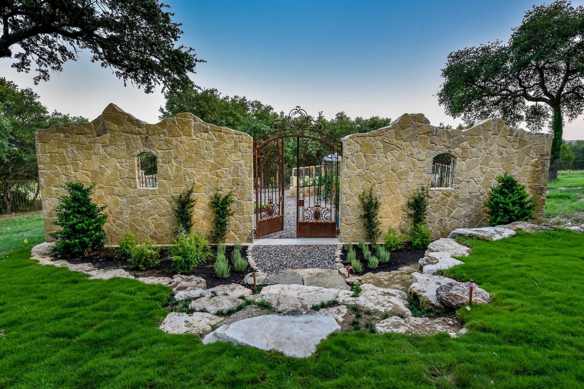 2401 Portofino Ridge Drive Property Photo 45