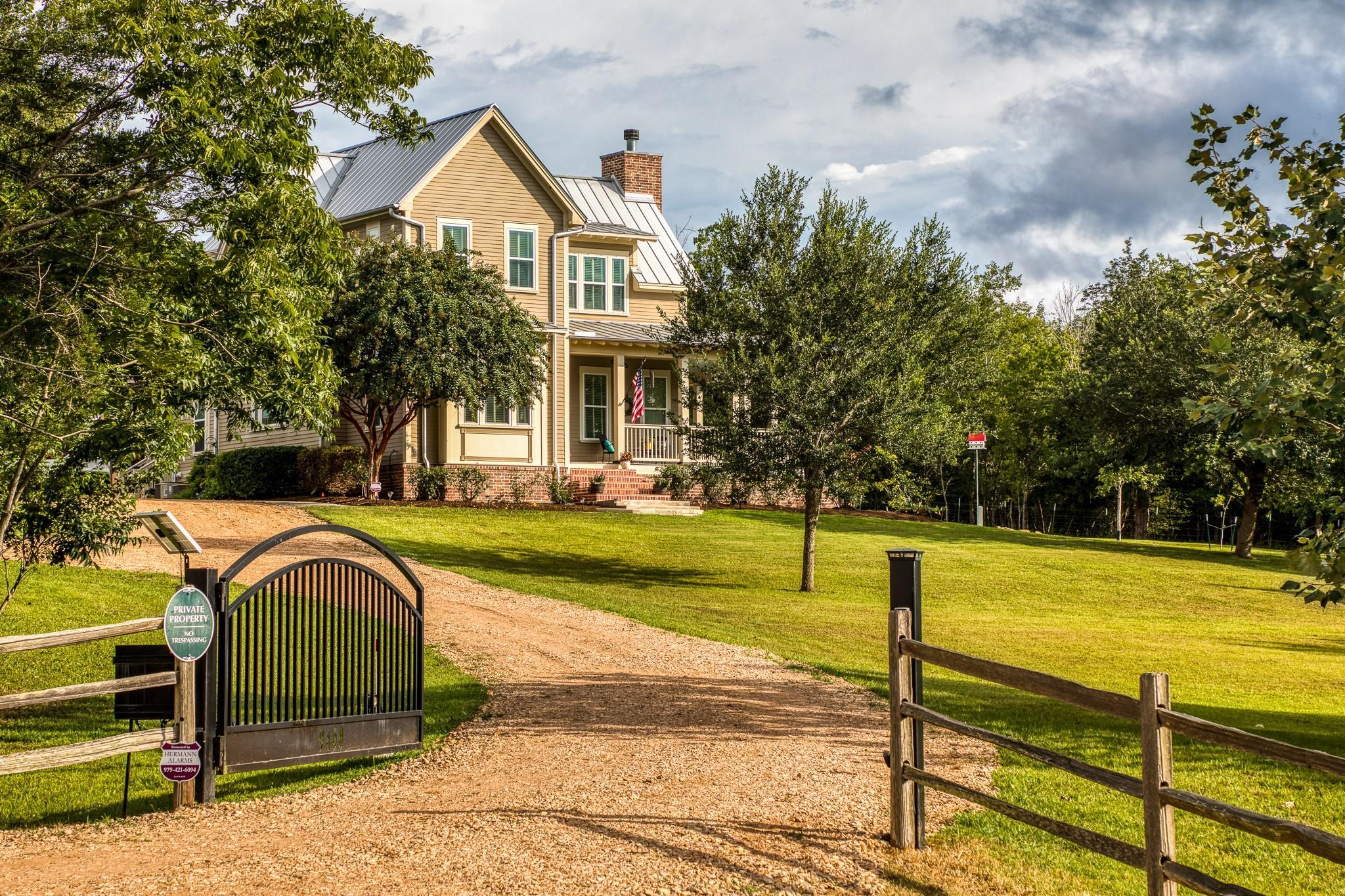 9460 Meadow Creek Lane Property Photo 1