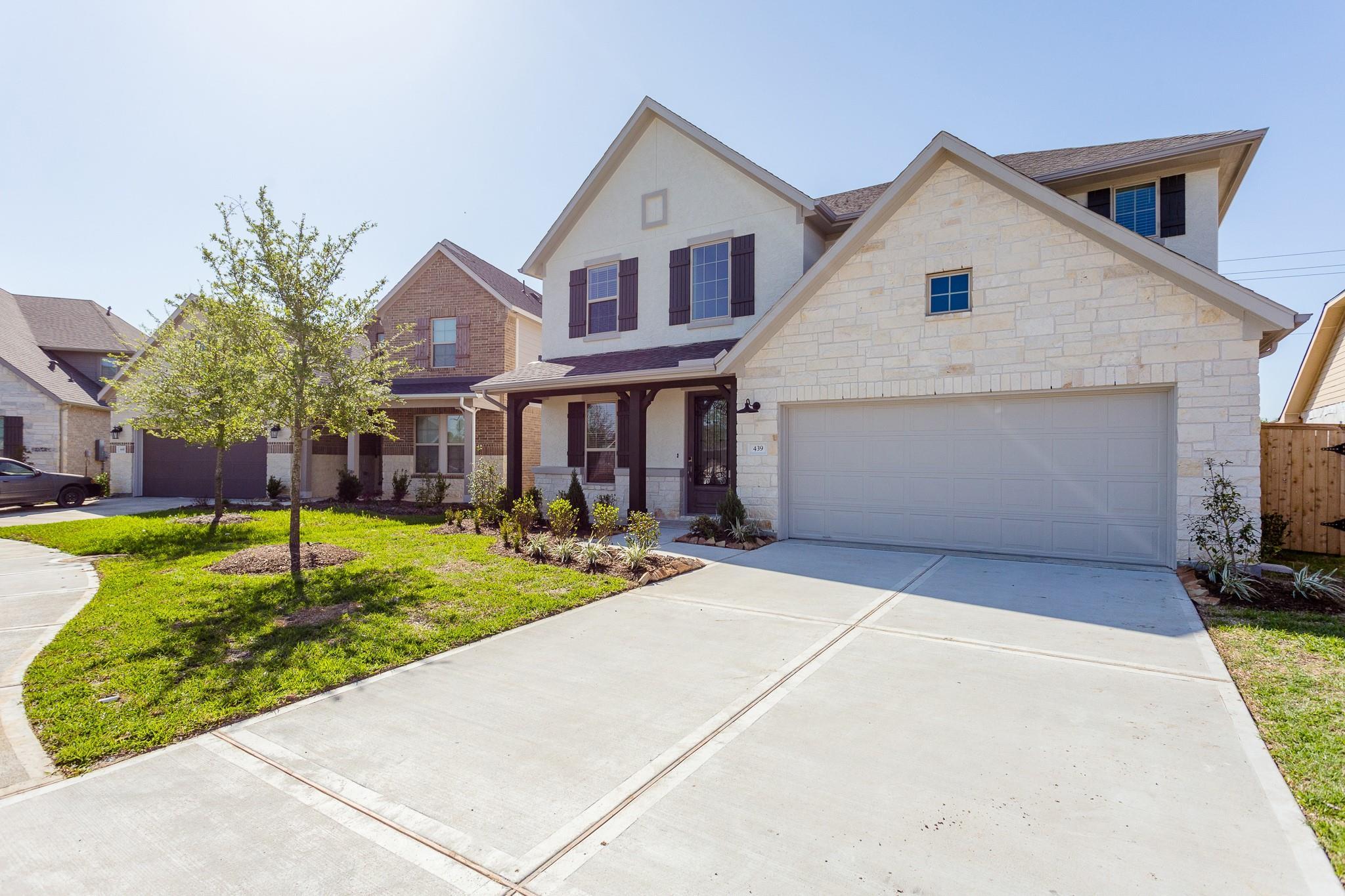 439 Barrios Bay Lane Property Photo 2