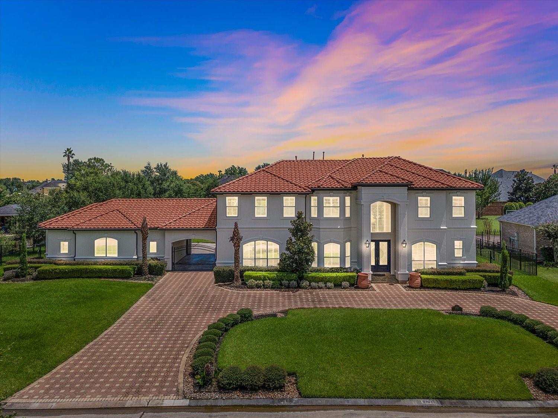 2707 Silverhorn Drive Property Photo 1