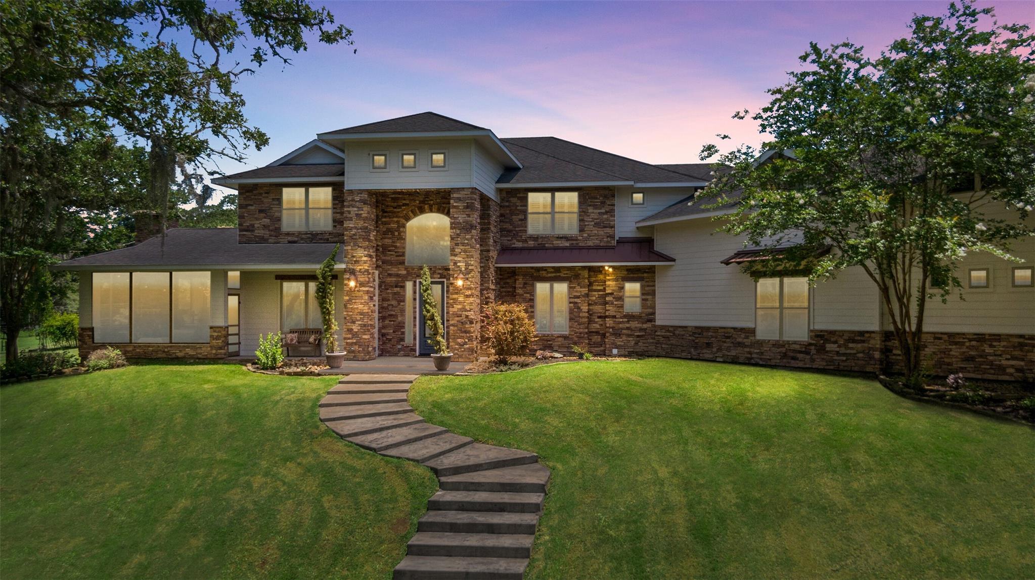 1060 Yaupon Creek Estate Property Photo 1