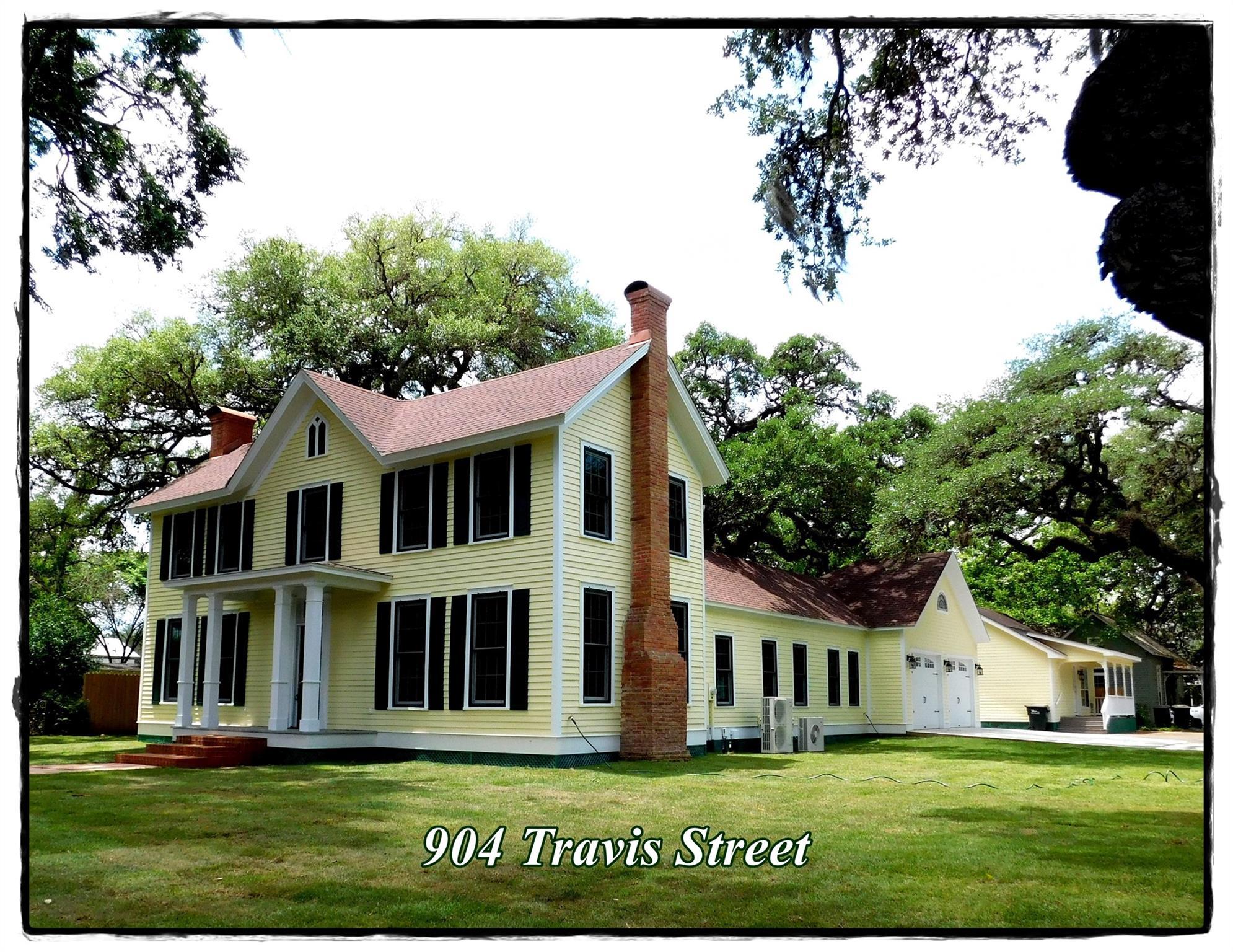 904 Travis Street Property Photo 1