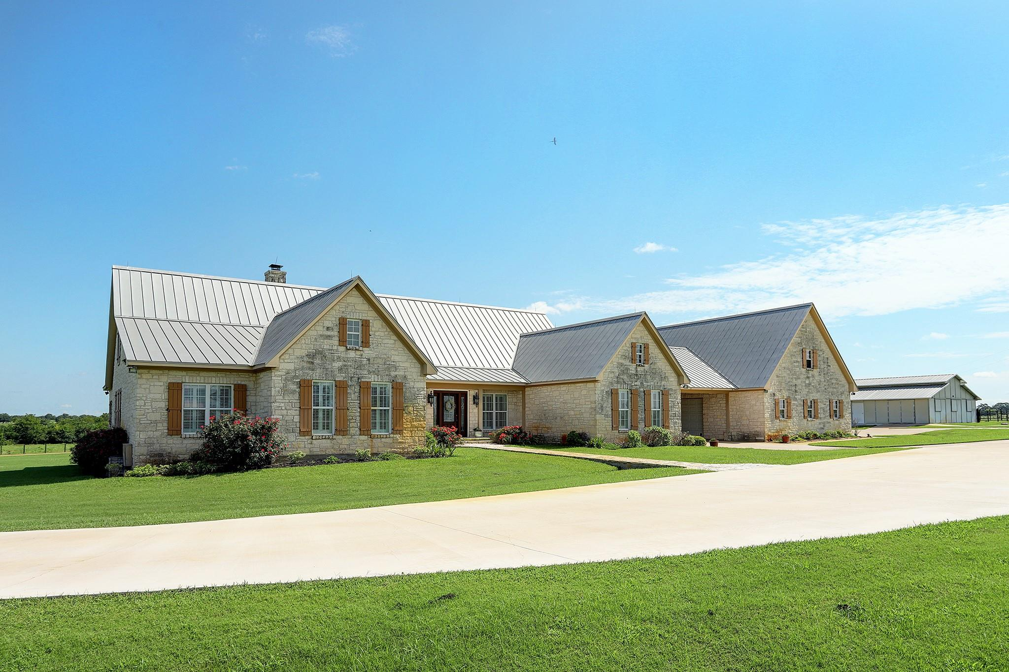 5900 Neumann Road Property Photo 1