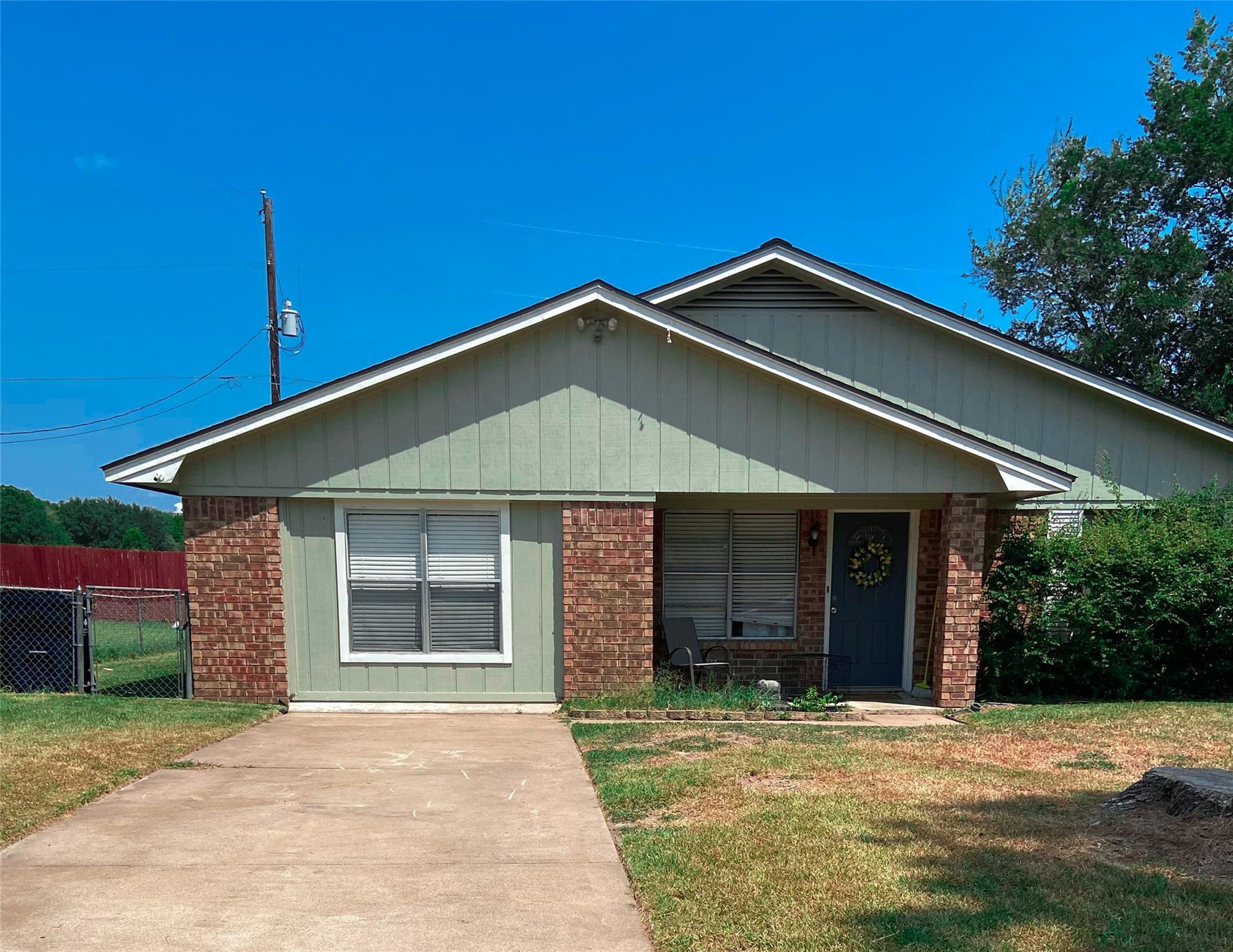 606 Hillside Drive Property Photo 1
