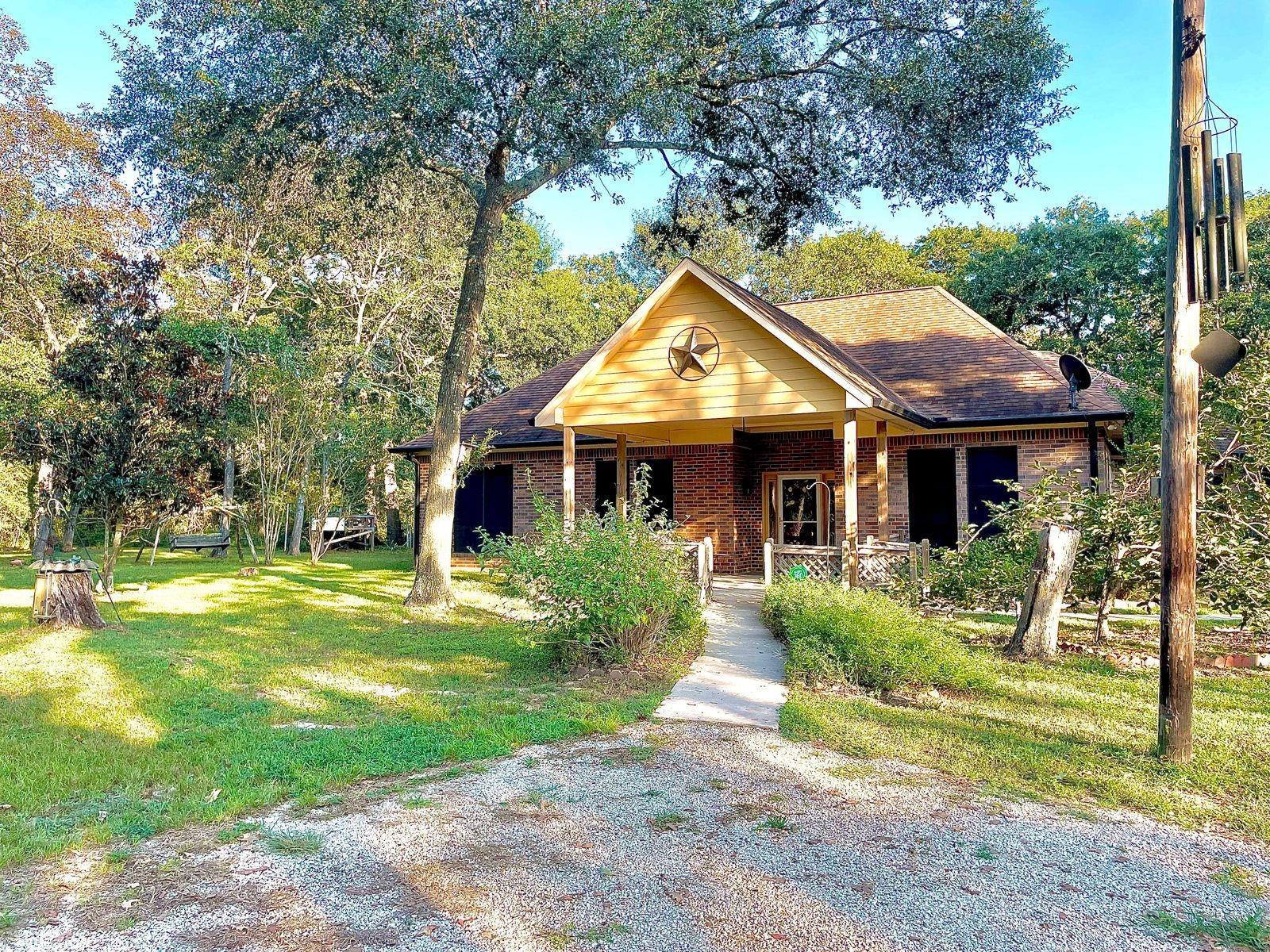 589 Post Oak Rd Road Property Photo 1