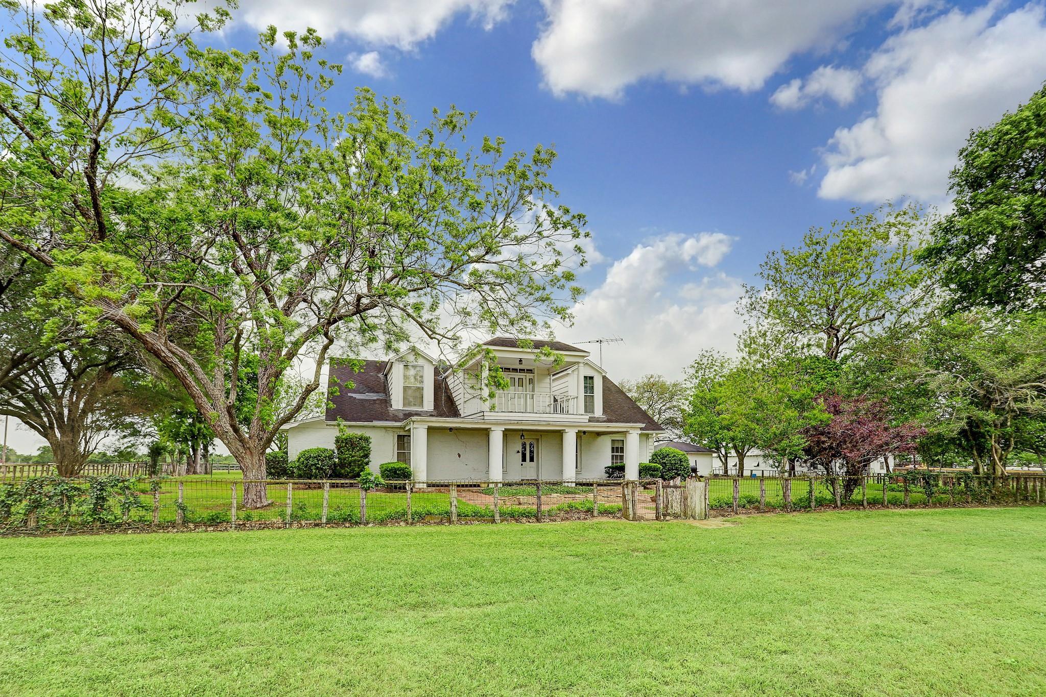 6655 Chadwick Hogan Road Property Photo 1