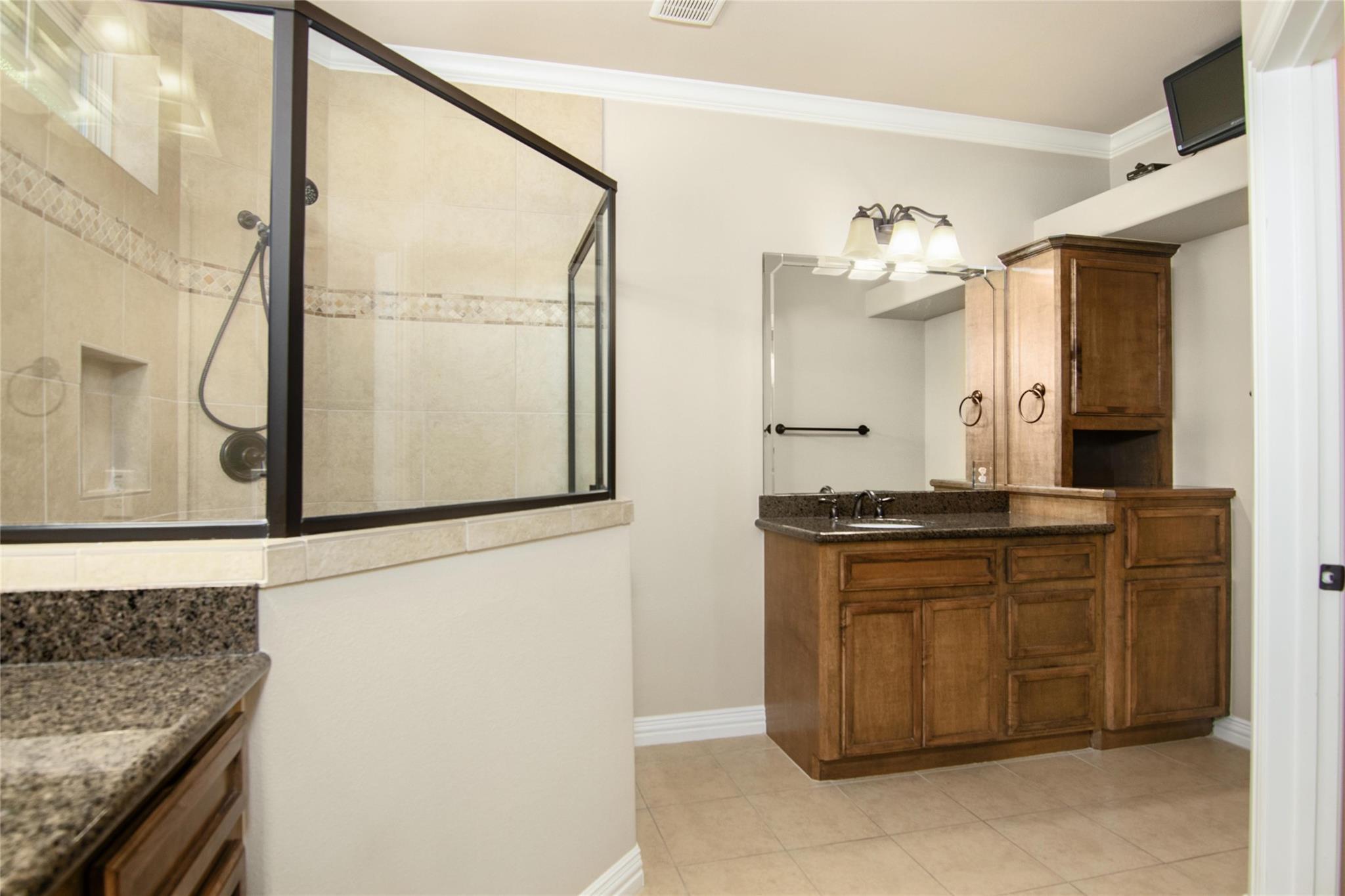 10283 N H Street Property Photo 19
