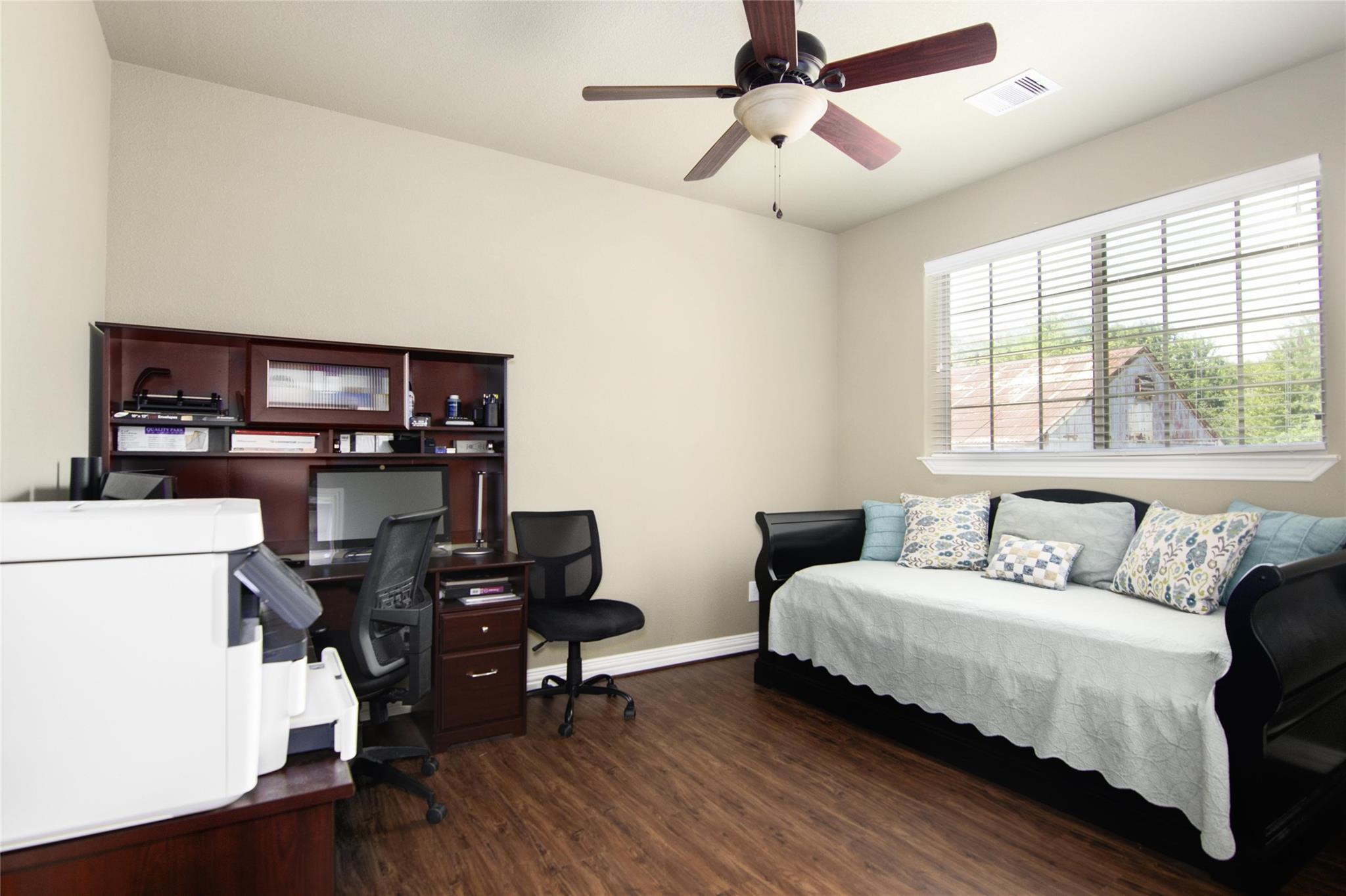 10283 N H Street Property Photo 23