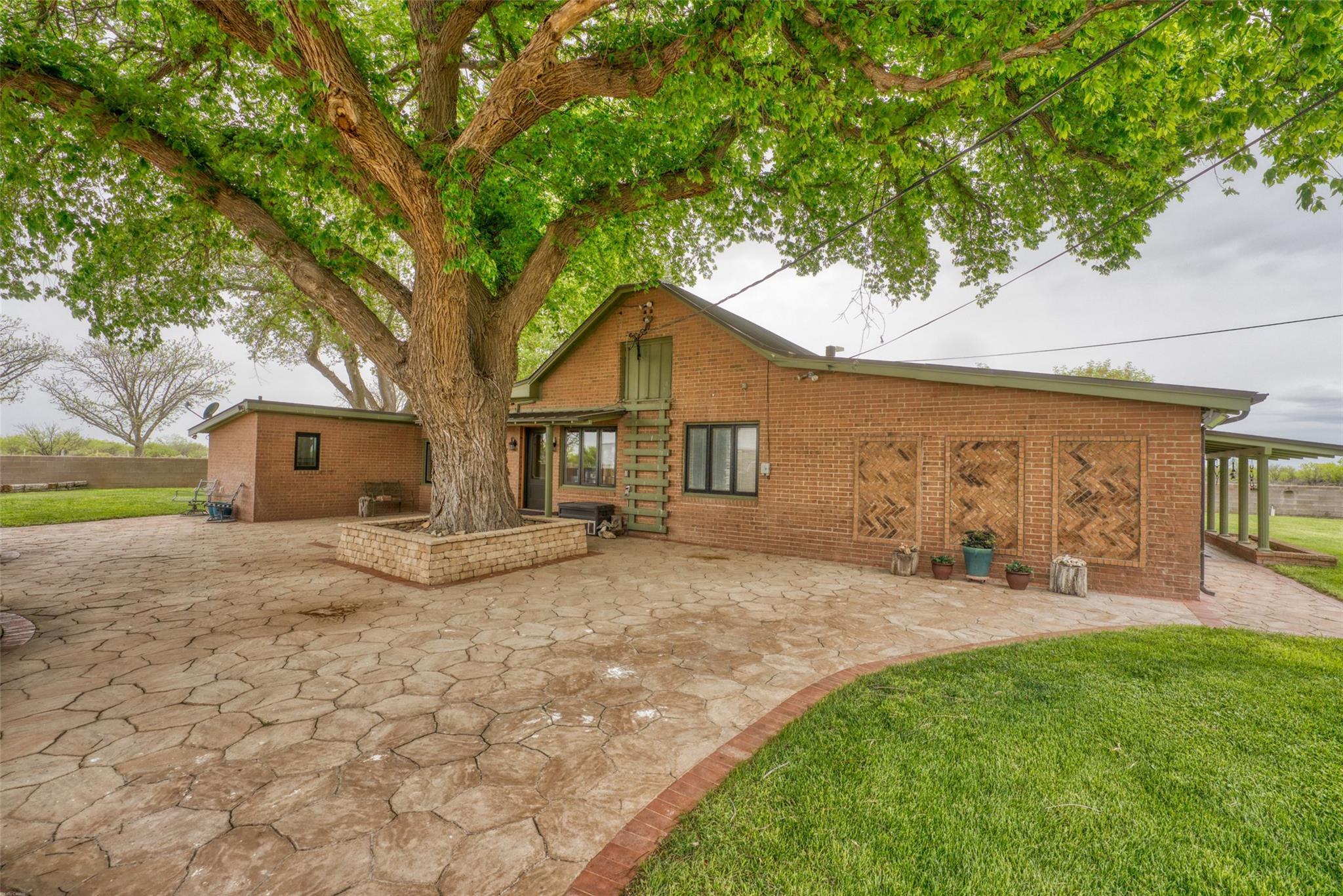 4696 J Bar Ranch Road Property Photo 7