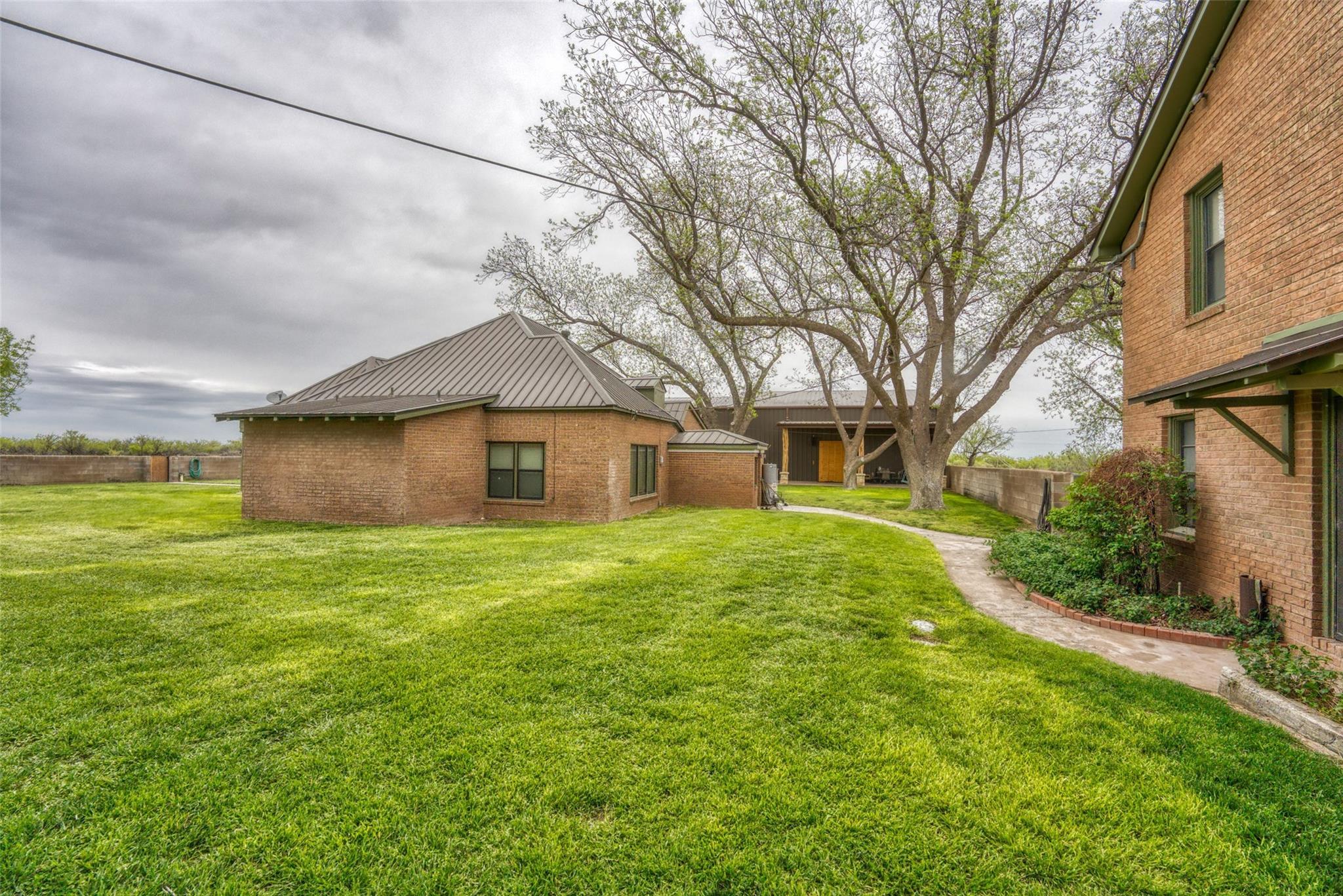 4696 J Bar Ranch Road Property Photo 8