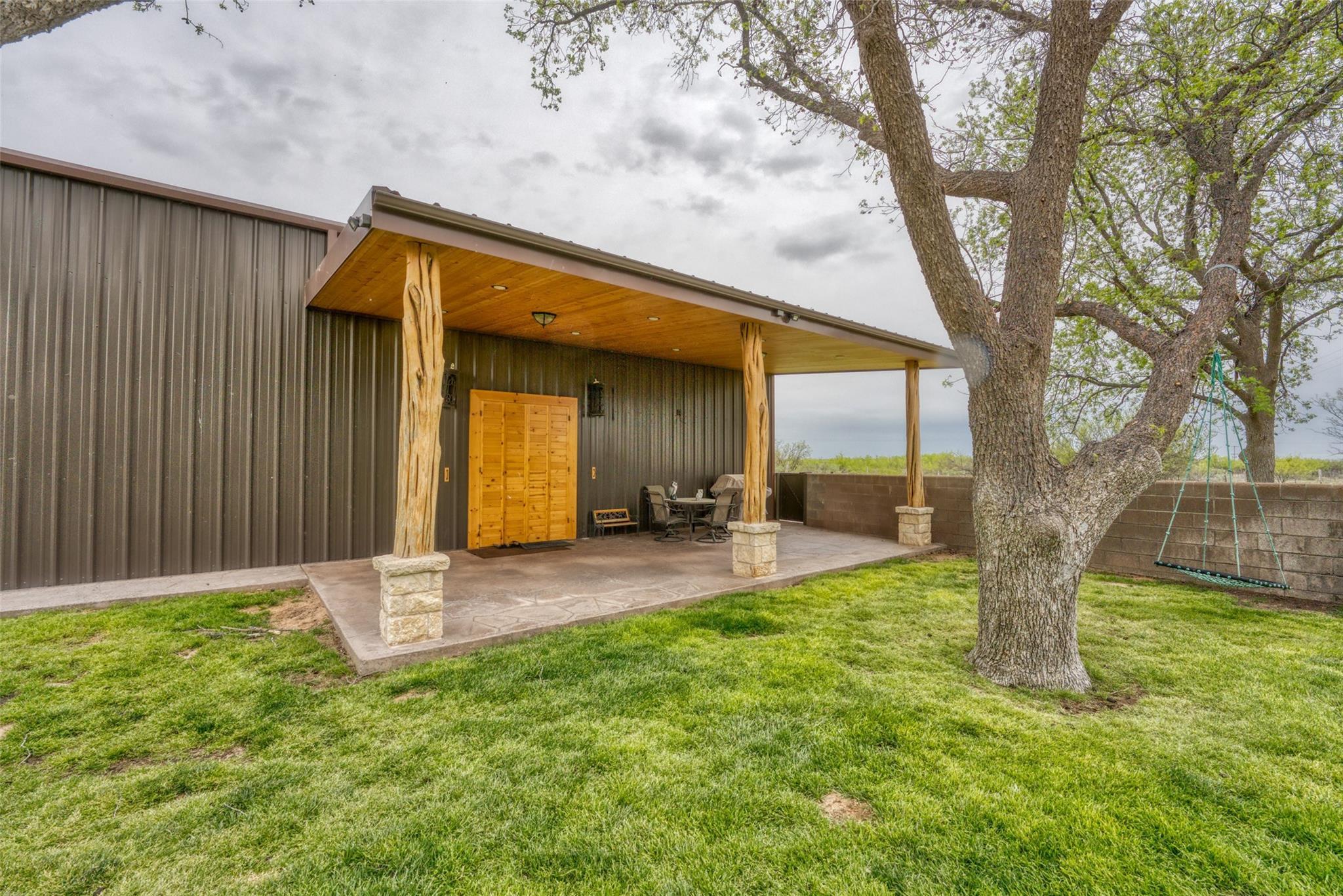 4696 J Bar Ranch Road Property Photo 14