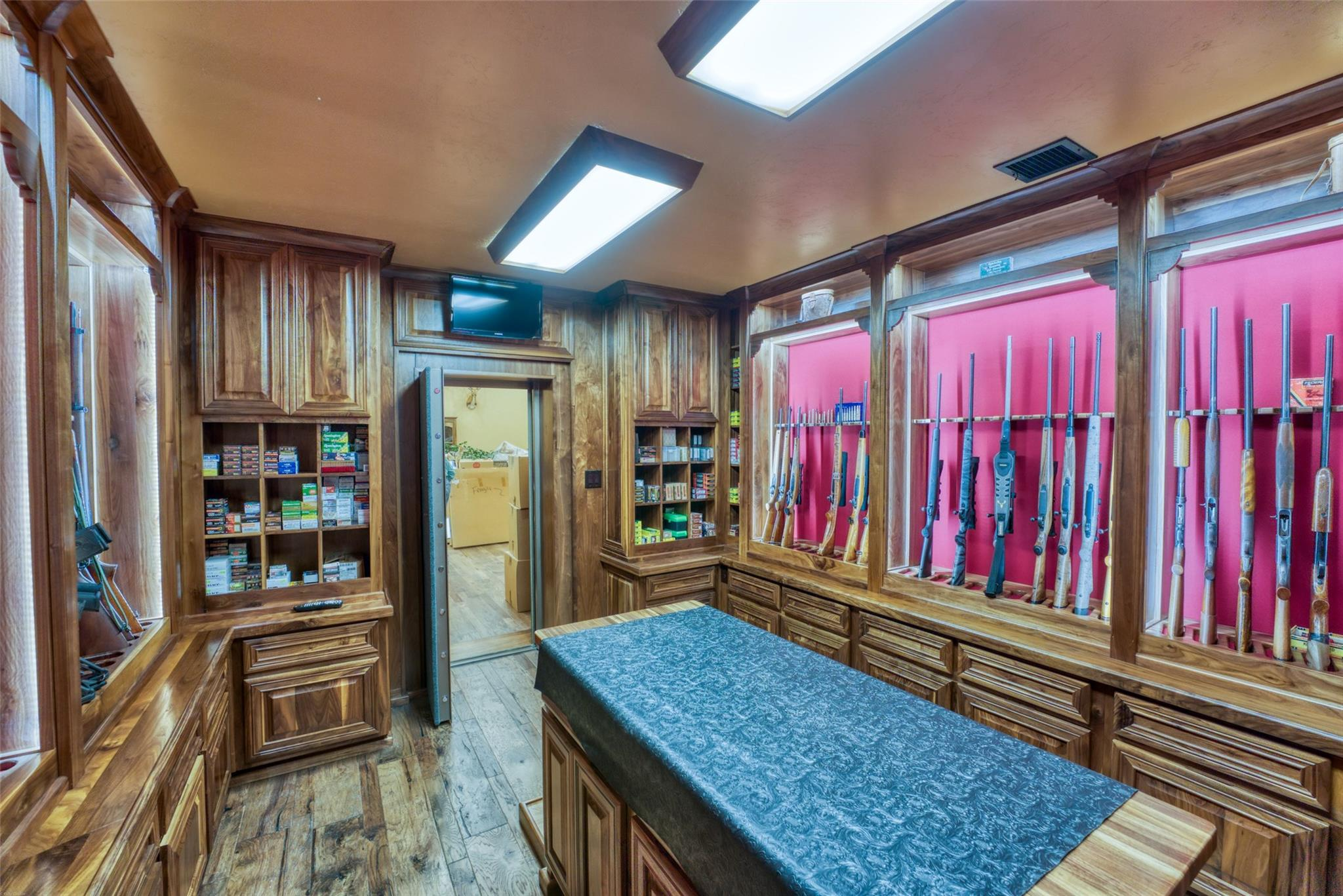 4696 J Bar Ranch Road Property Photo 22