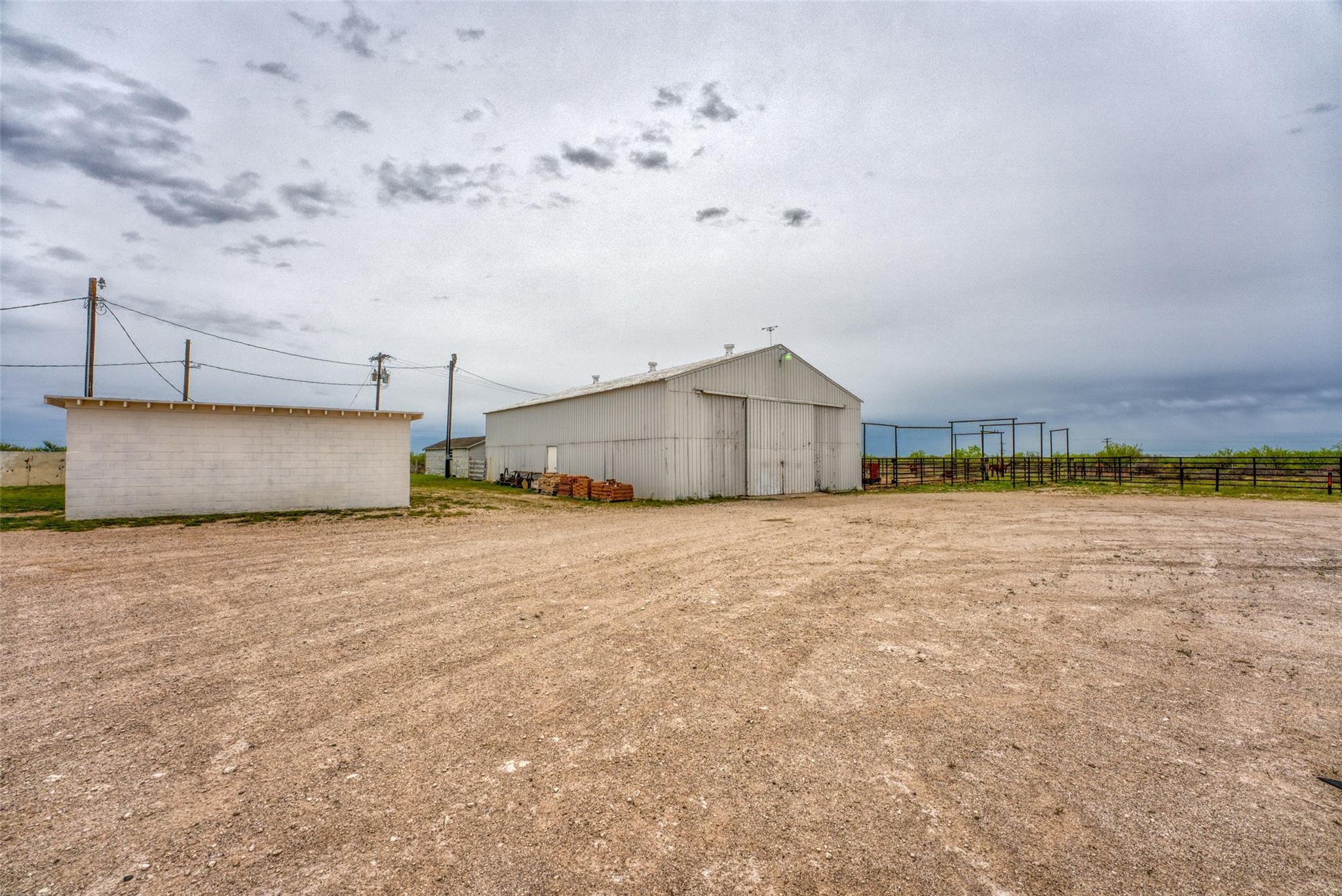 4696 J Bar Ranch Road Property Photo 26
