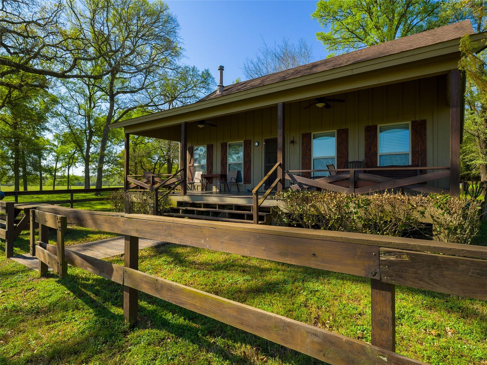 850 E Lost Indian Camp Road E Property Photo 11