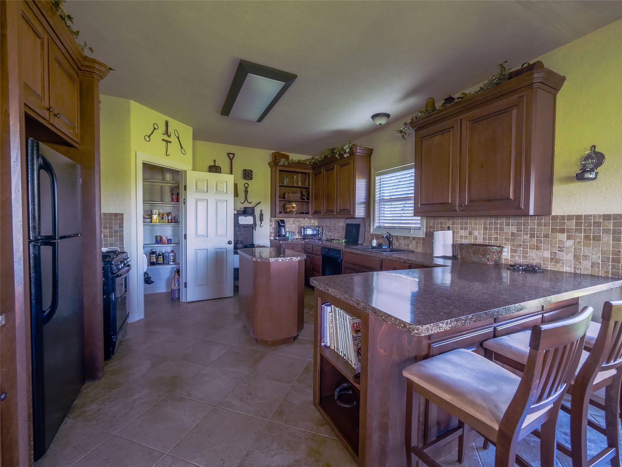 850 E Lost Indian Camp Road E Property Photo 12