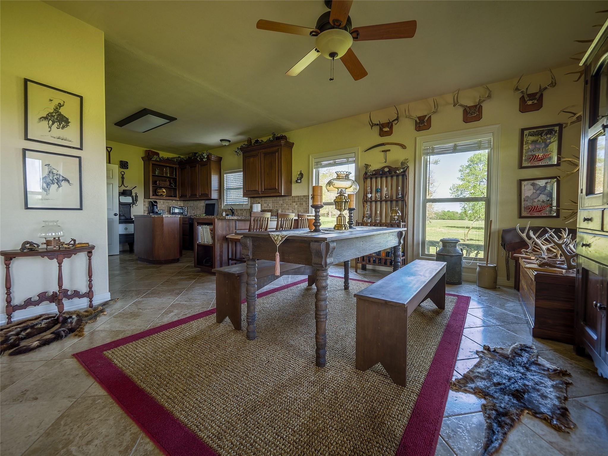 850 E Lost Indian Camp Road E Property Photo 13