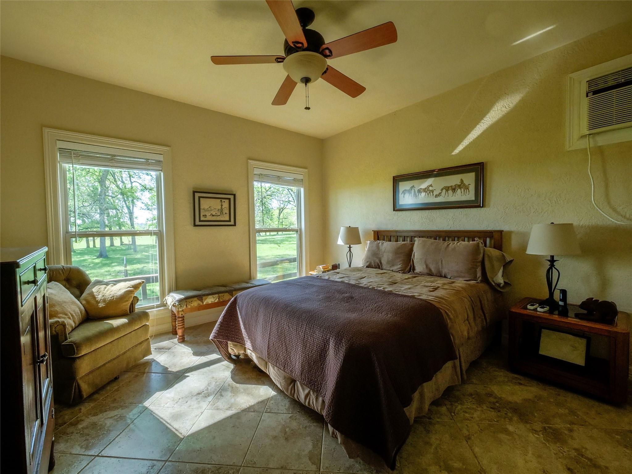850 E Lost Indian Camp Road E Property Photo 14
