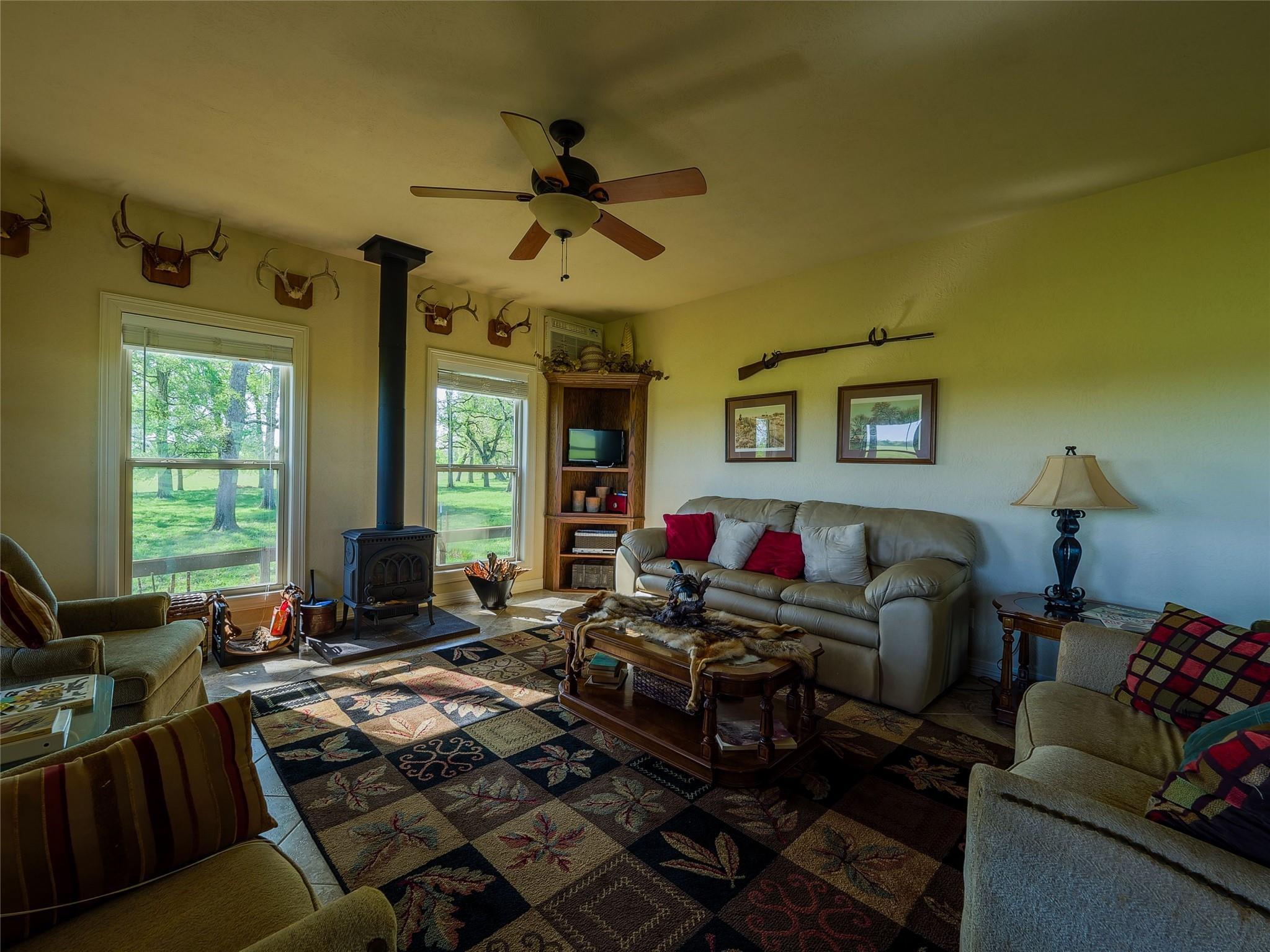 850 E Lost Indian Camp Road E Property Photo 19