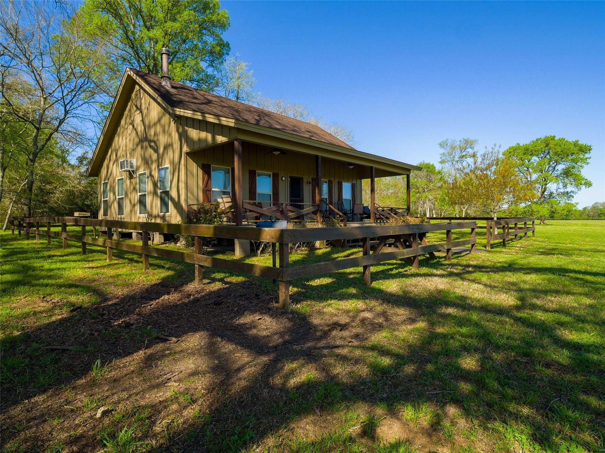850 E Lost Indian Camp Road E Property Photo 21