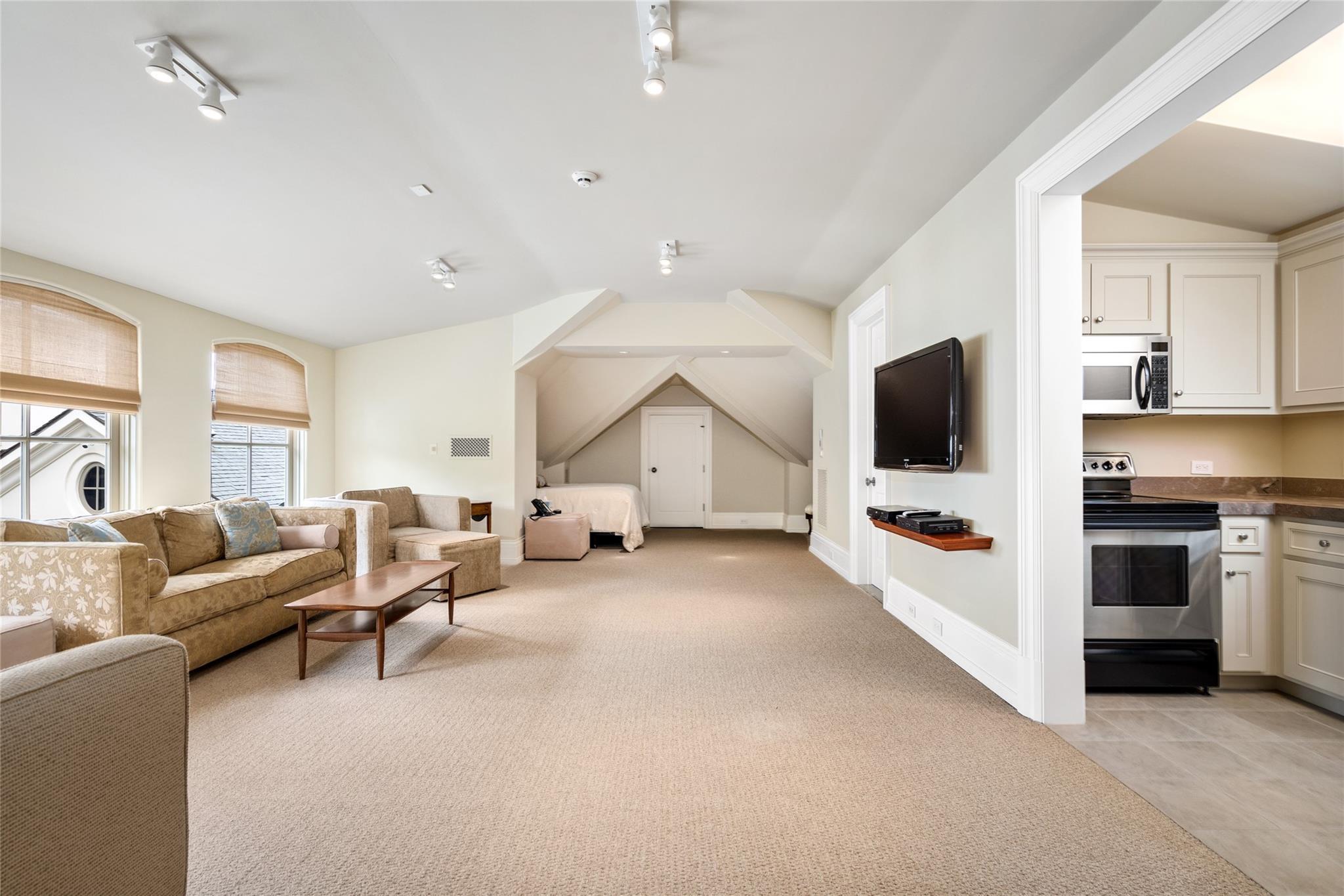 325 W Friar Tuck Lane Property Photo 22