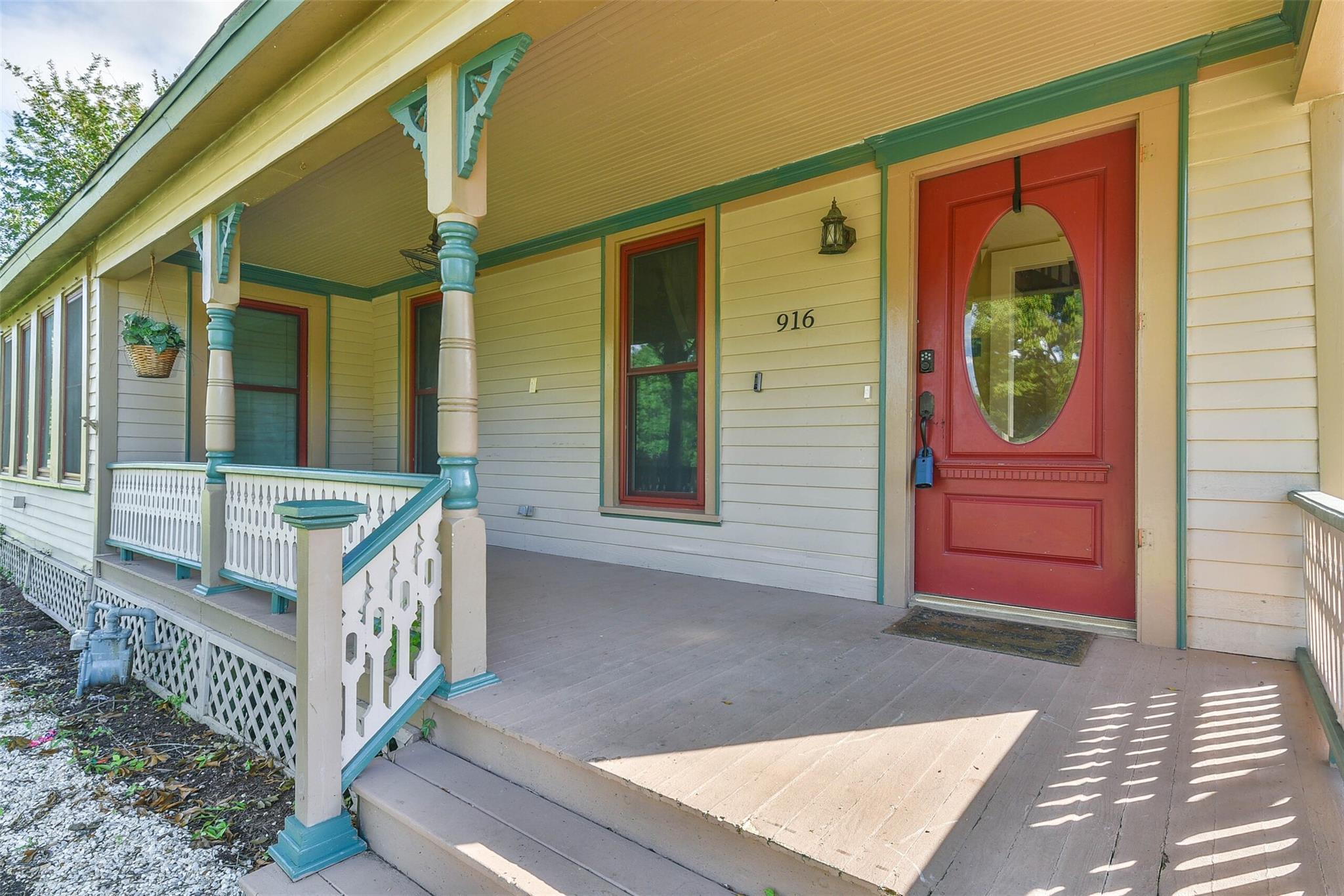 916 S Virginia Street Property Photo 2