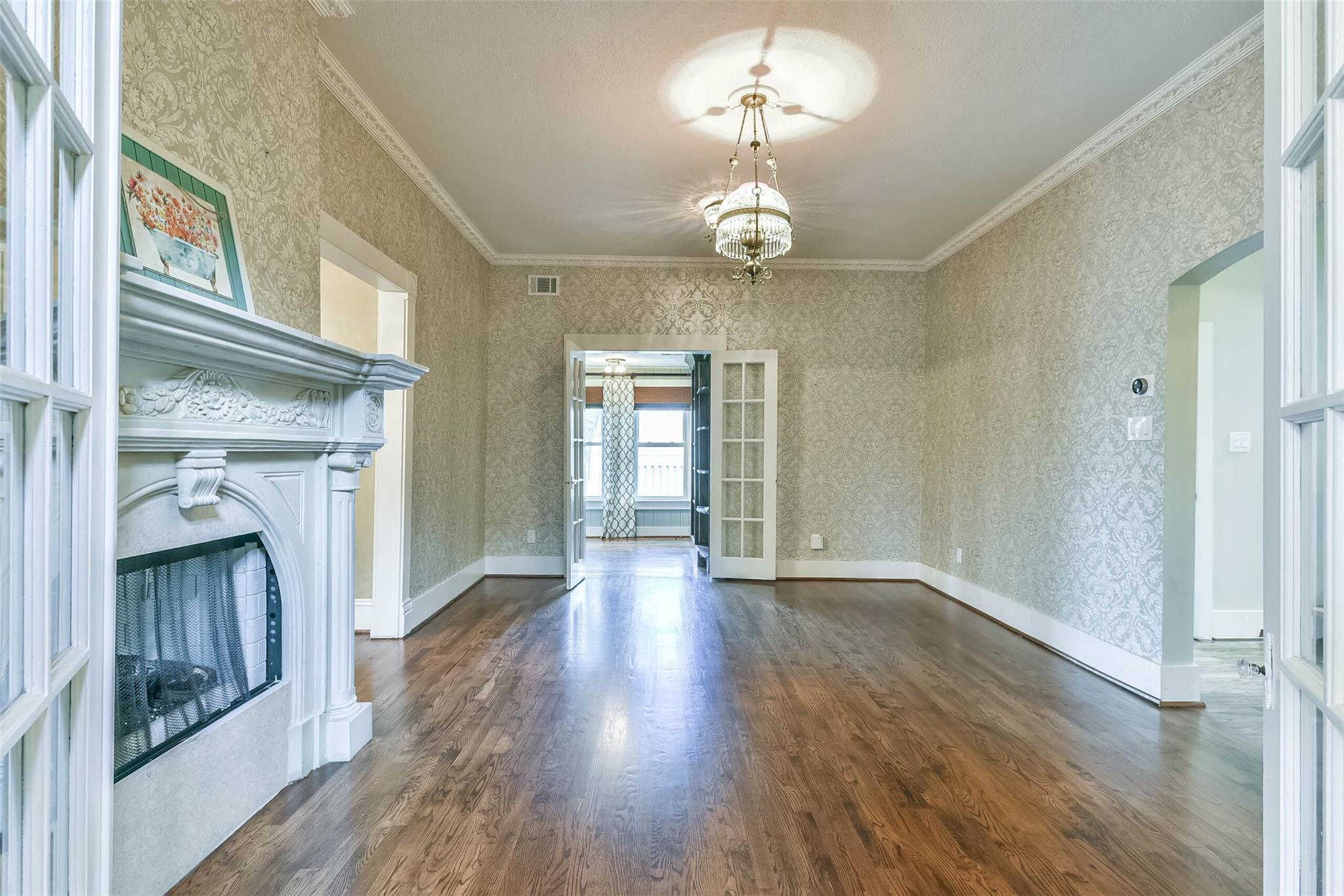 916 S Virginia Street Property Photo 8