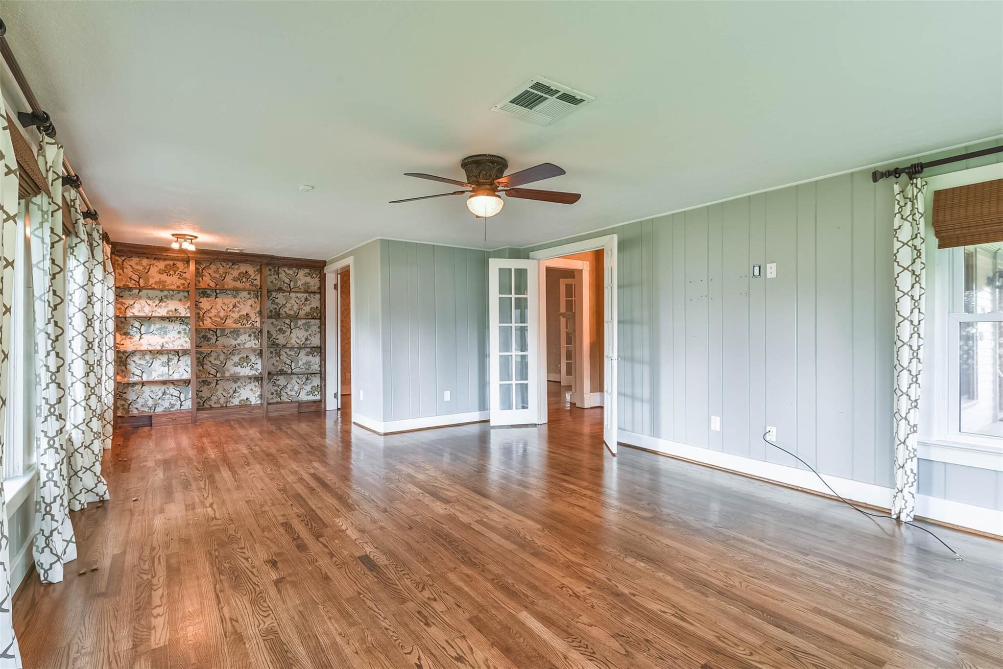 916 S Virginia Street Property Photo 17