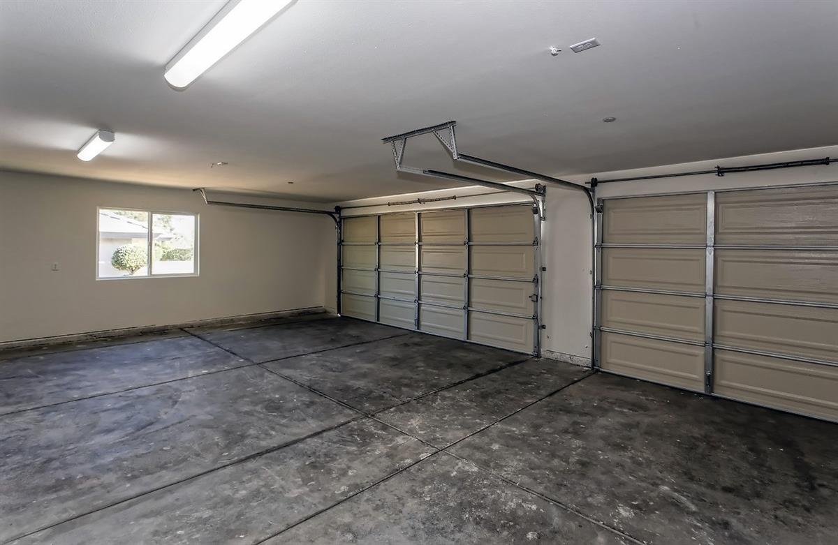 8915 Avocado Avenue Property Photo 13