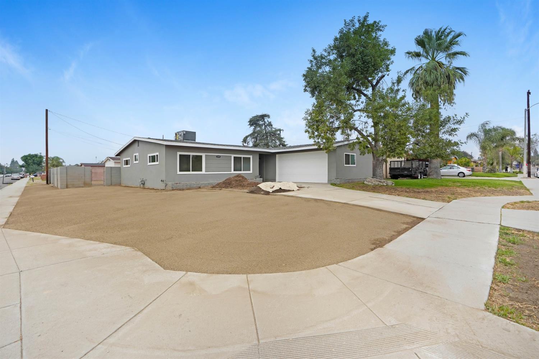 1205 N Corona Avenue Property Photo 1