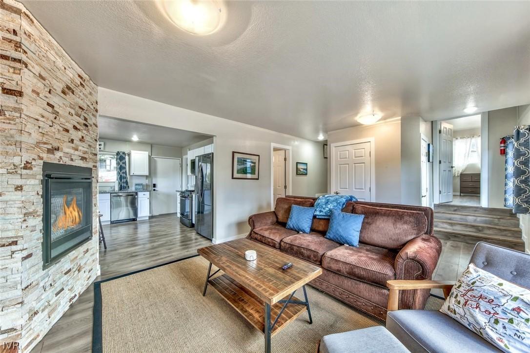 8863 N Lake Blvd. Property Photo