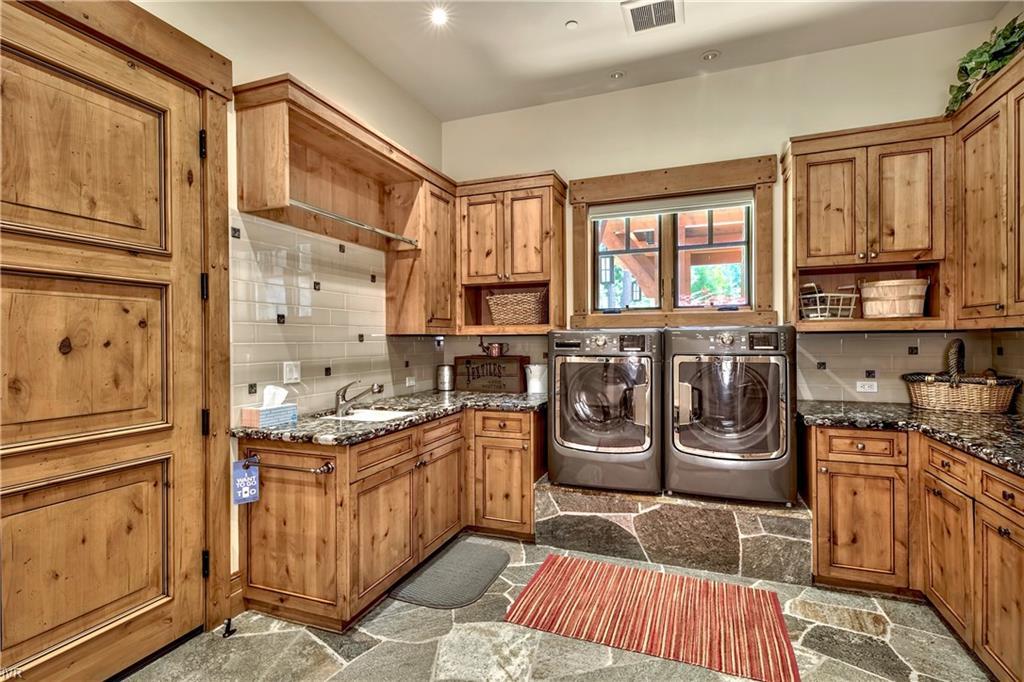 575 573 Lakeshore Boulevard Property Photo 32