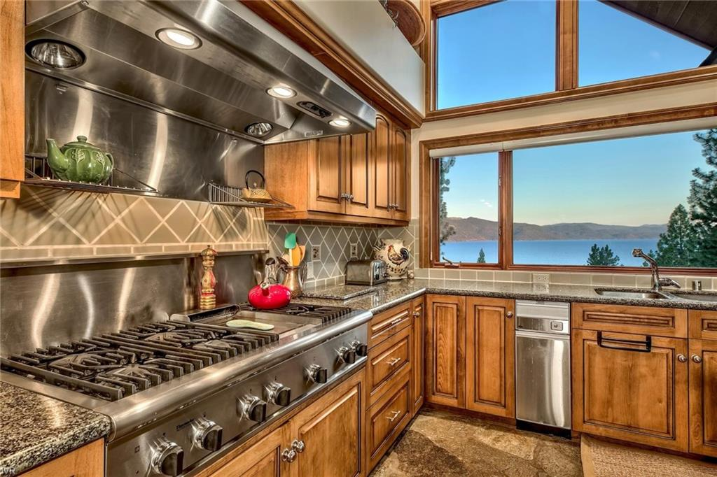 547 Sugarpine Drive Property Photo 11