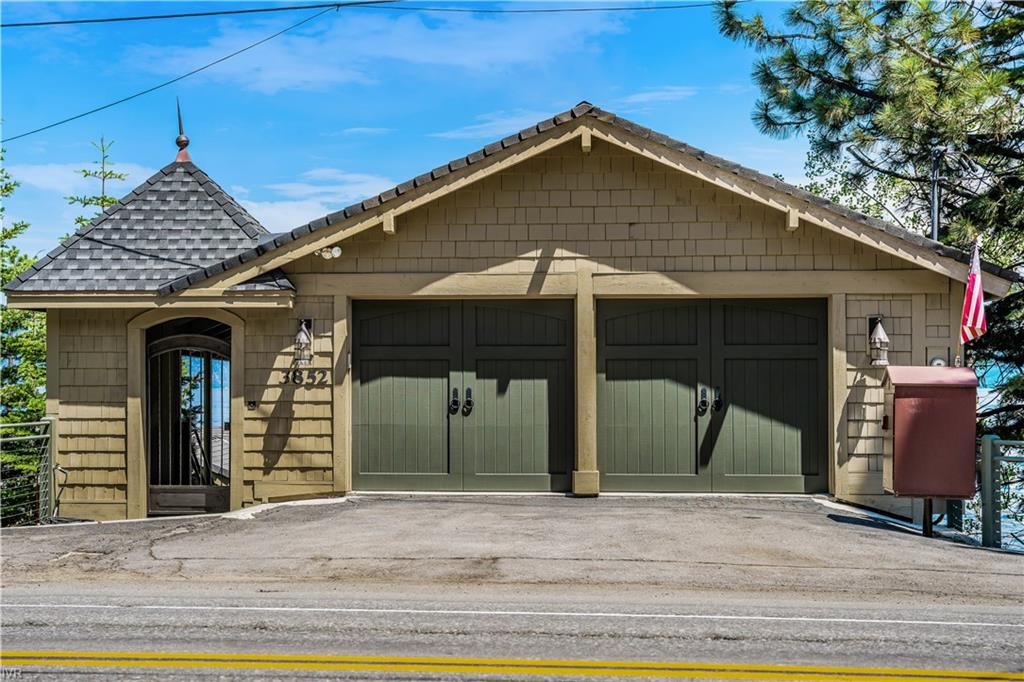 3852 North Lake Boulevard Property Photo