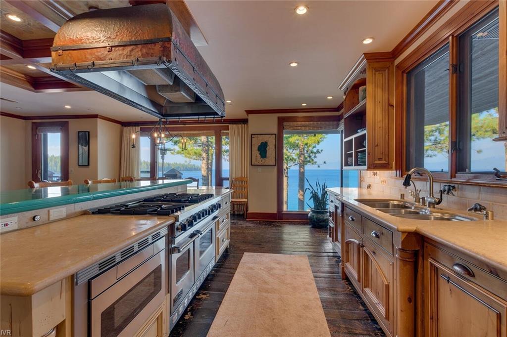 8217 Meeks Bay Avenue Property Photo 12