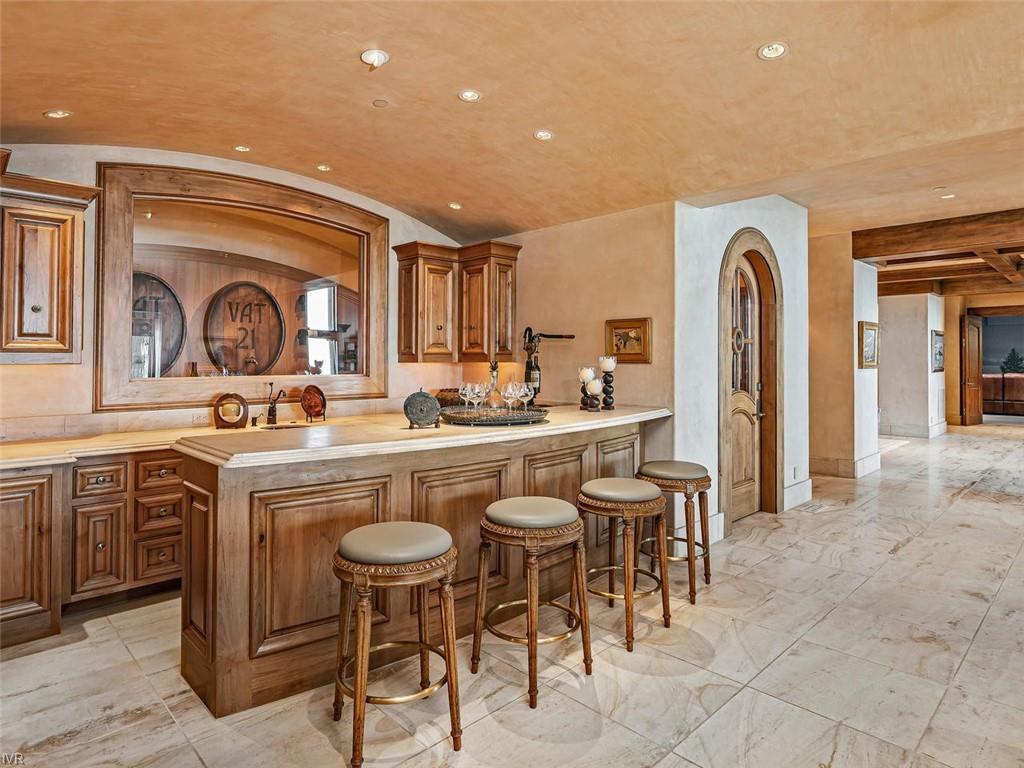859 Lakeshore Boulevard Property Photo 14