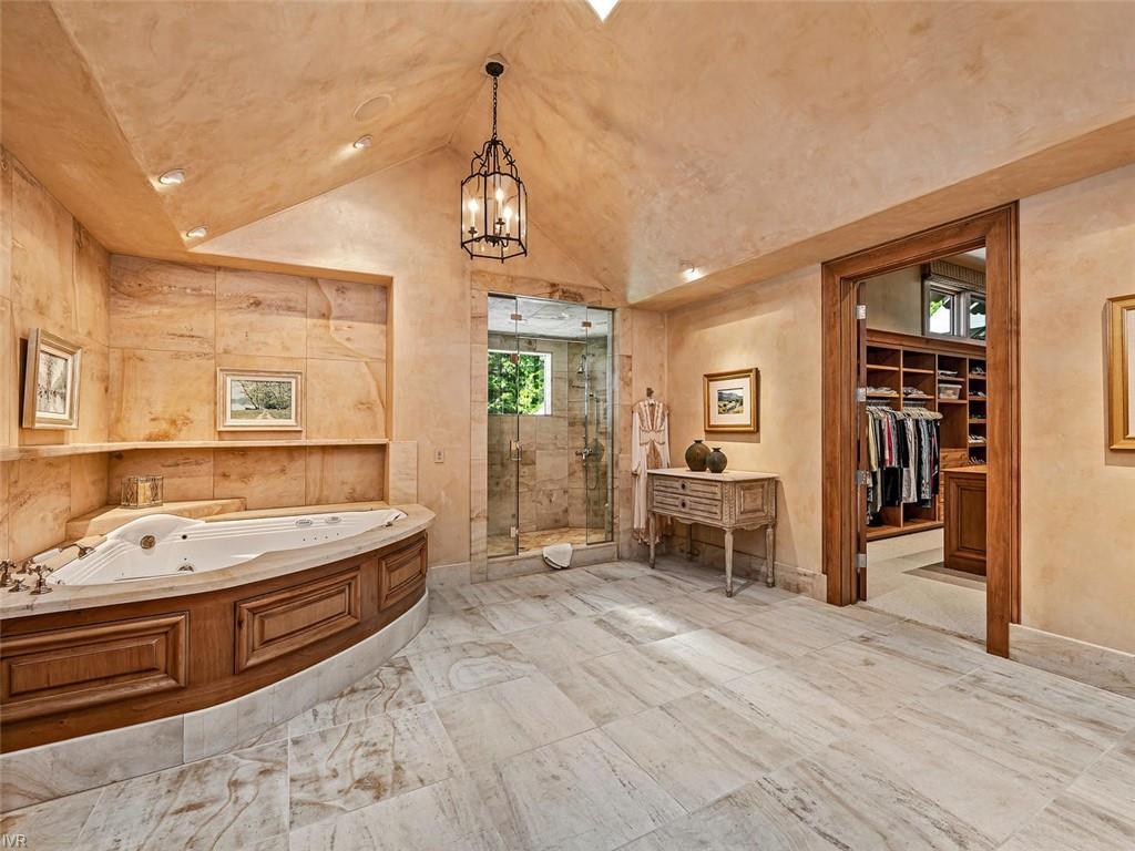 859 Lakeshore Boulevard Property Photo 18