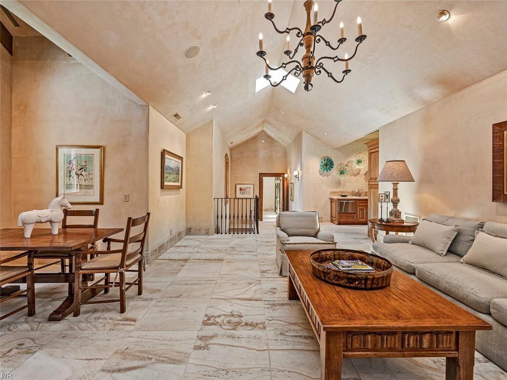 859 Lakeshore Boulevard Property Photo 26