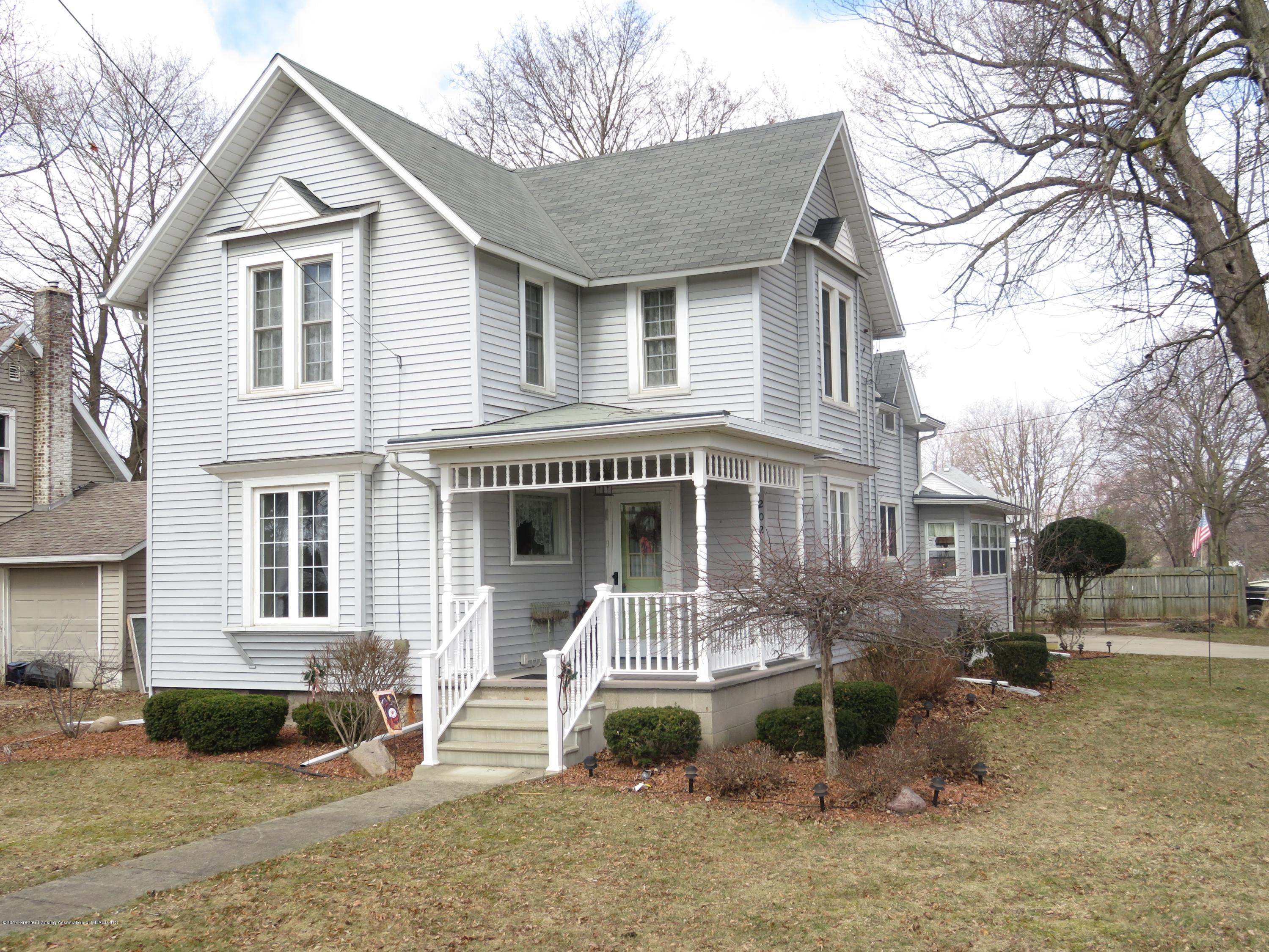202 W Main Street Property Photo