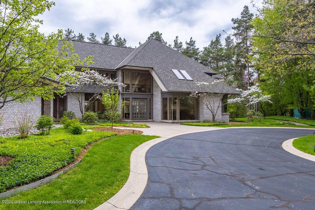 6400 Pine Hollow Drive Property Photo 3