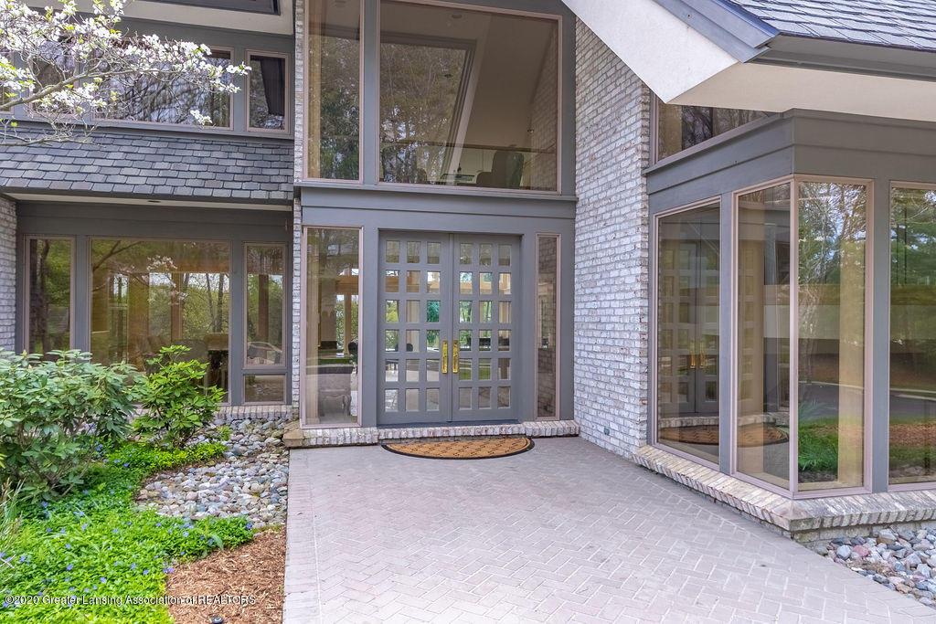 6400 Pine Hollow Drive Property Photo 4
