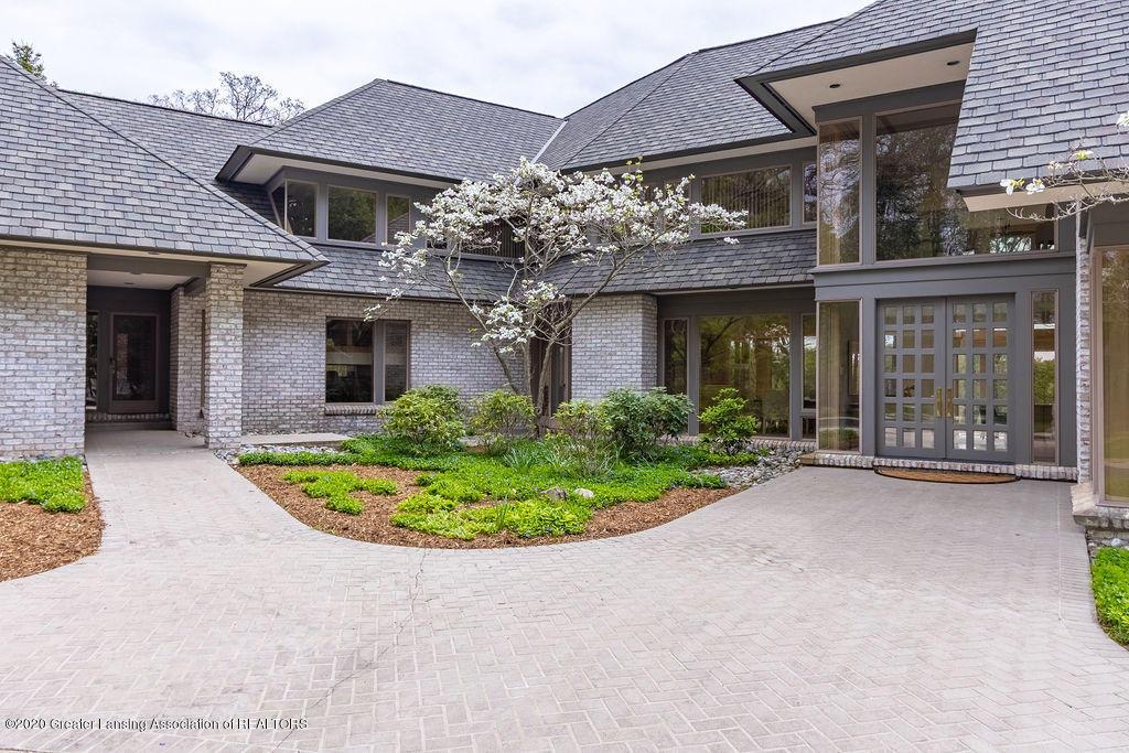 6400 Pine Hollow Drive Property Photo 5
