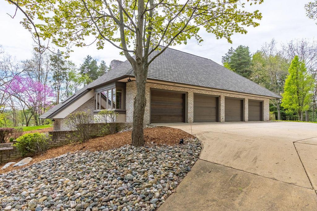 6400 Pine Hollow Drive Property Photo 7