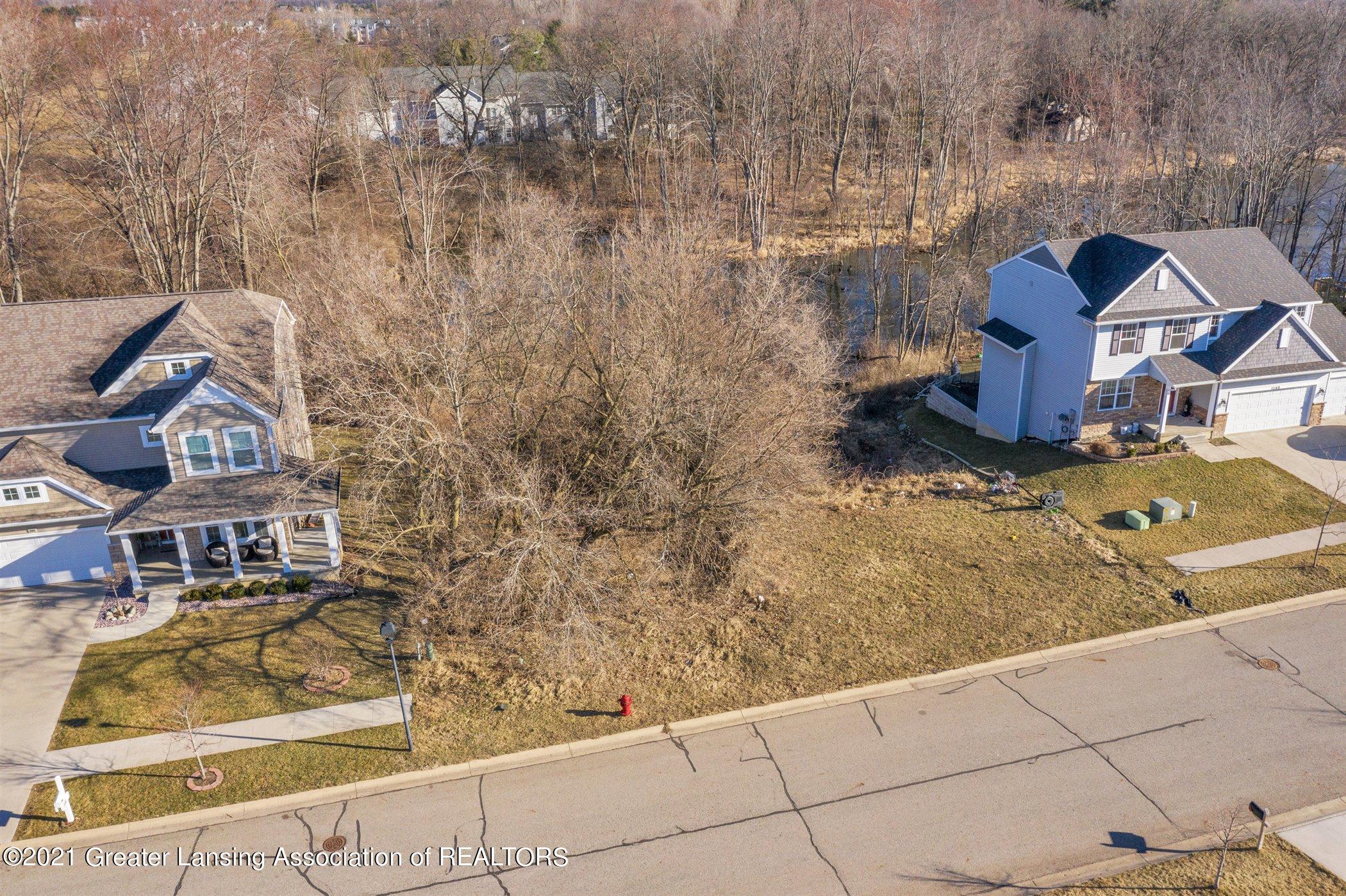 1574 Belvedere Avenue Property Photo 9
