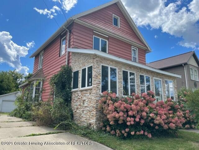 921 W Lenawee Street Property Photo 1