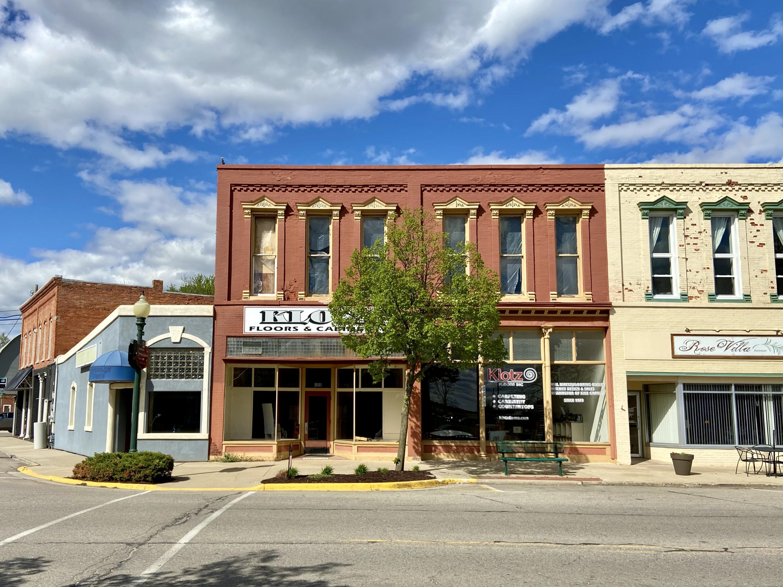 105 E Grand River Road Property Photo