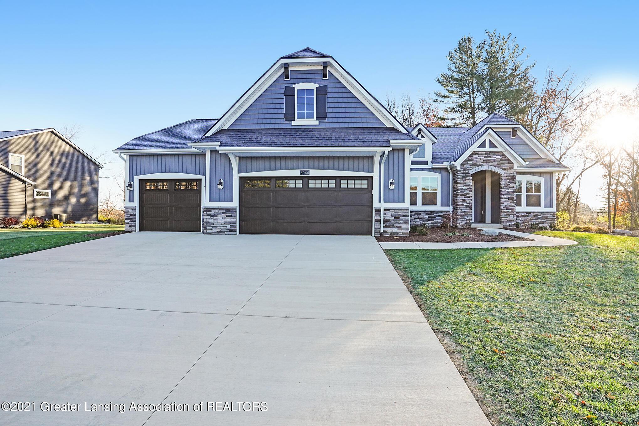 6044 Southridge Road Property Photo