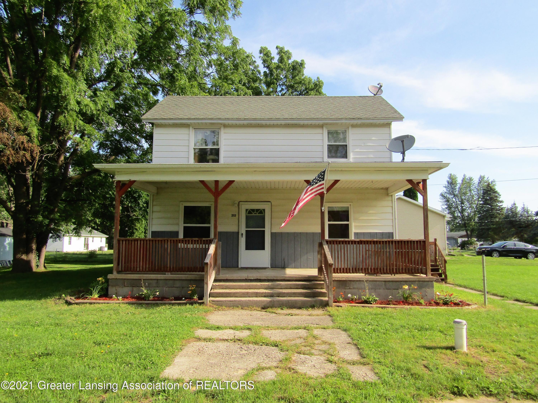 215 E 2nd Property Photo