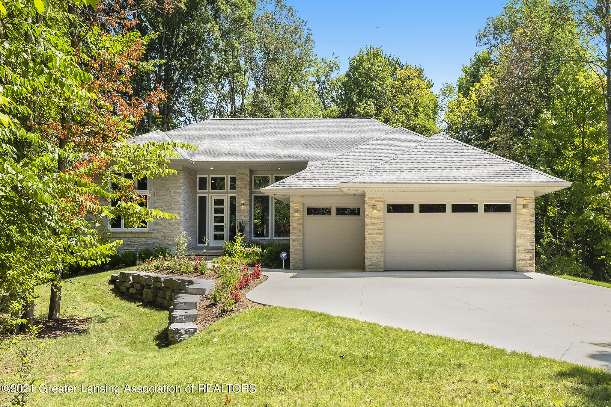 4270 Shadow Ridge Property Photo 1