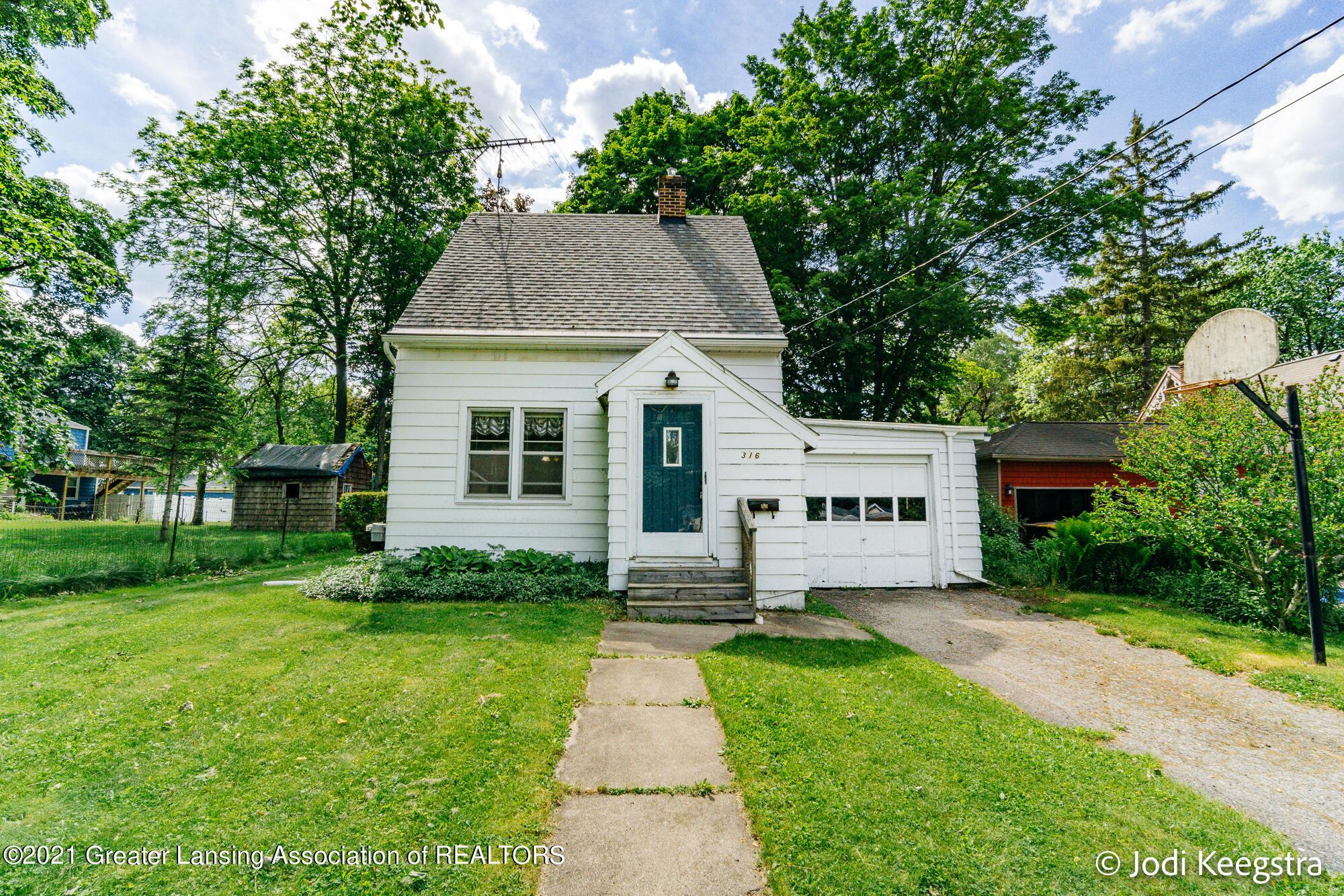 316 Maple Street Property Photo 1