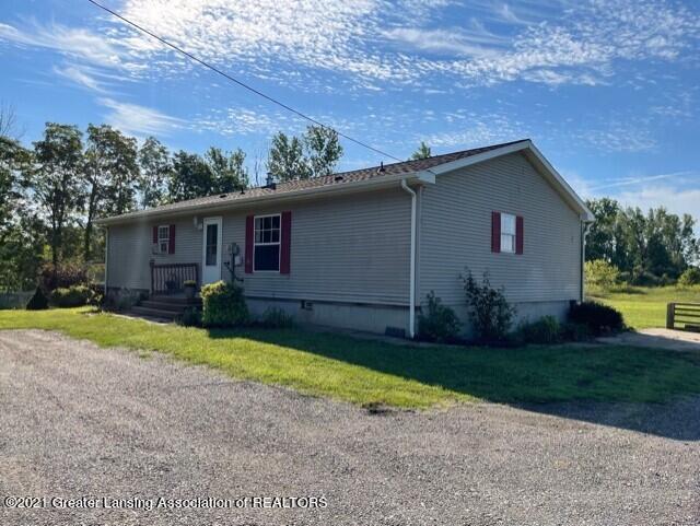 8271 Corrison Road Property Photo 4